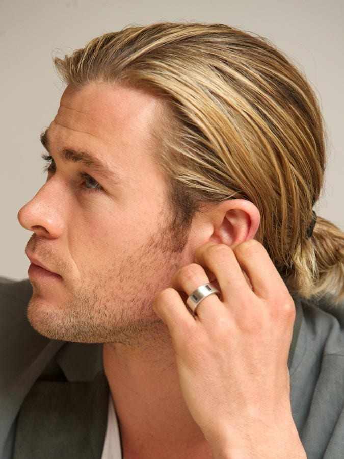 Man Bun Chris Hemsworth Blonde Hair