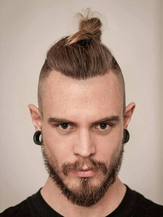 11 manly man bun top knot hairstyle combinations. Black Bedroom Furniture Sets. Home Design Ideas