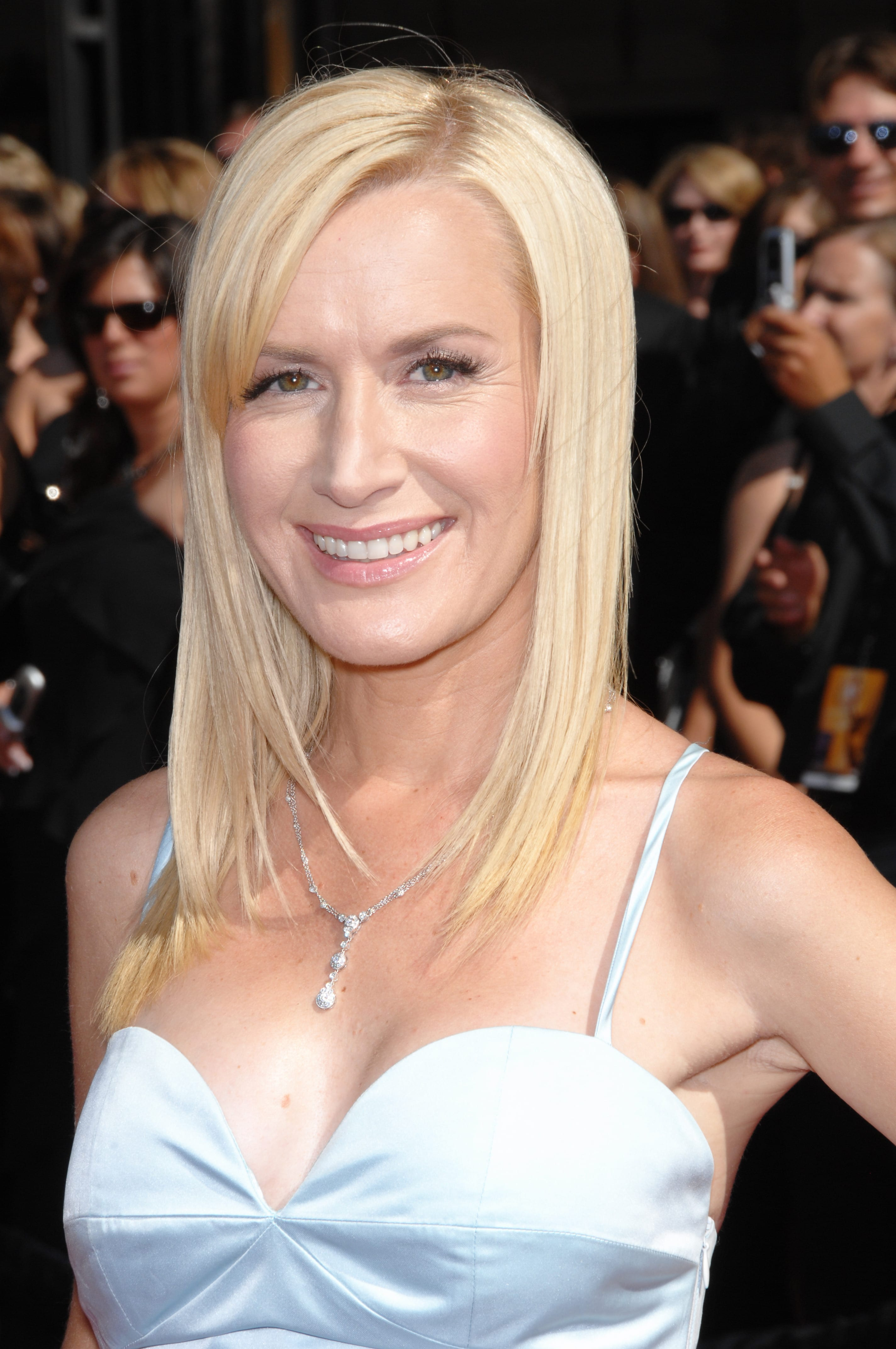 Angela Kinsey's One-Length Low Bob With Bangs