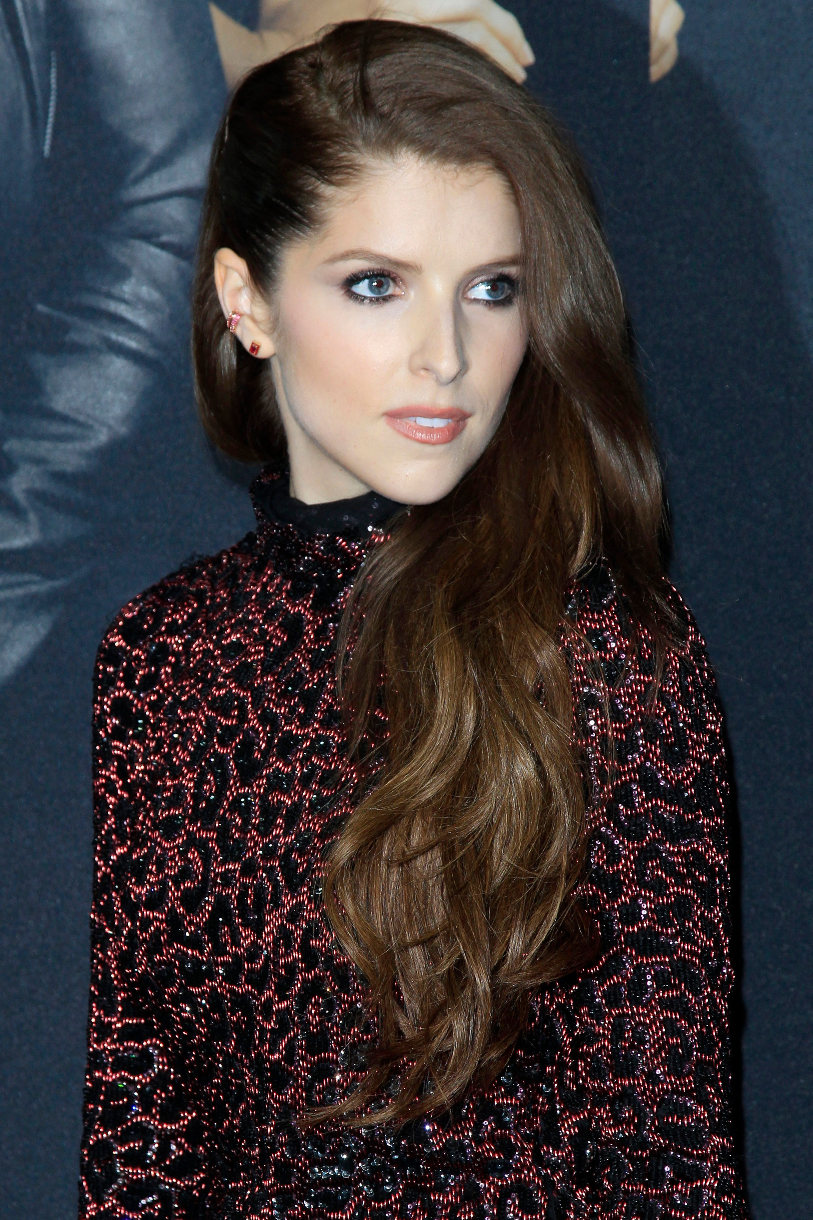 Anna Kendrick's Subtle Chocolate Brown Ombre