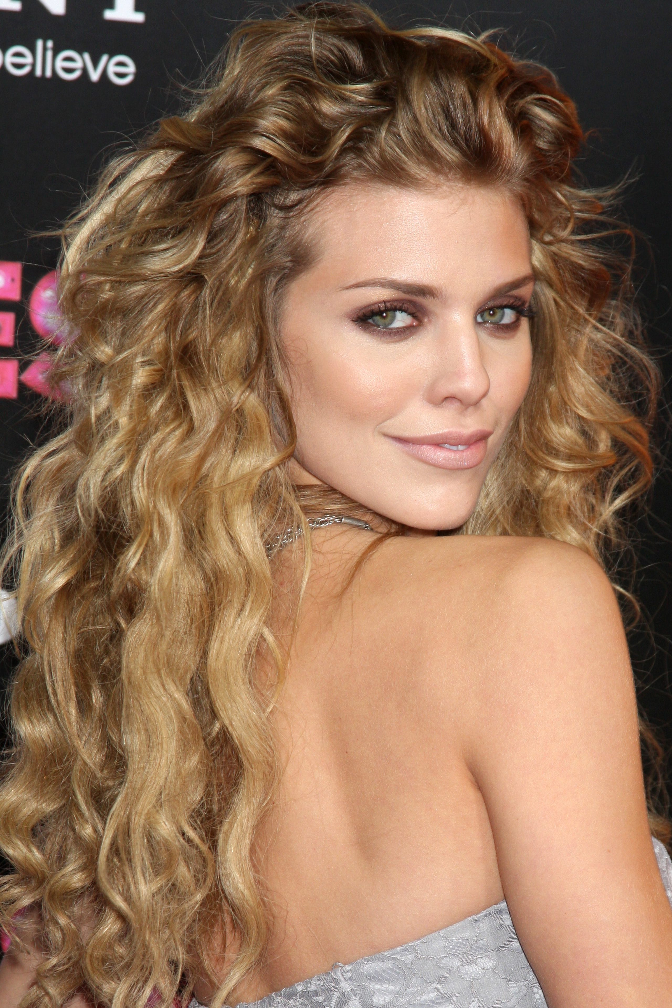 AnnaLynne McCord with Some Serious Curl Volume