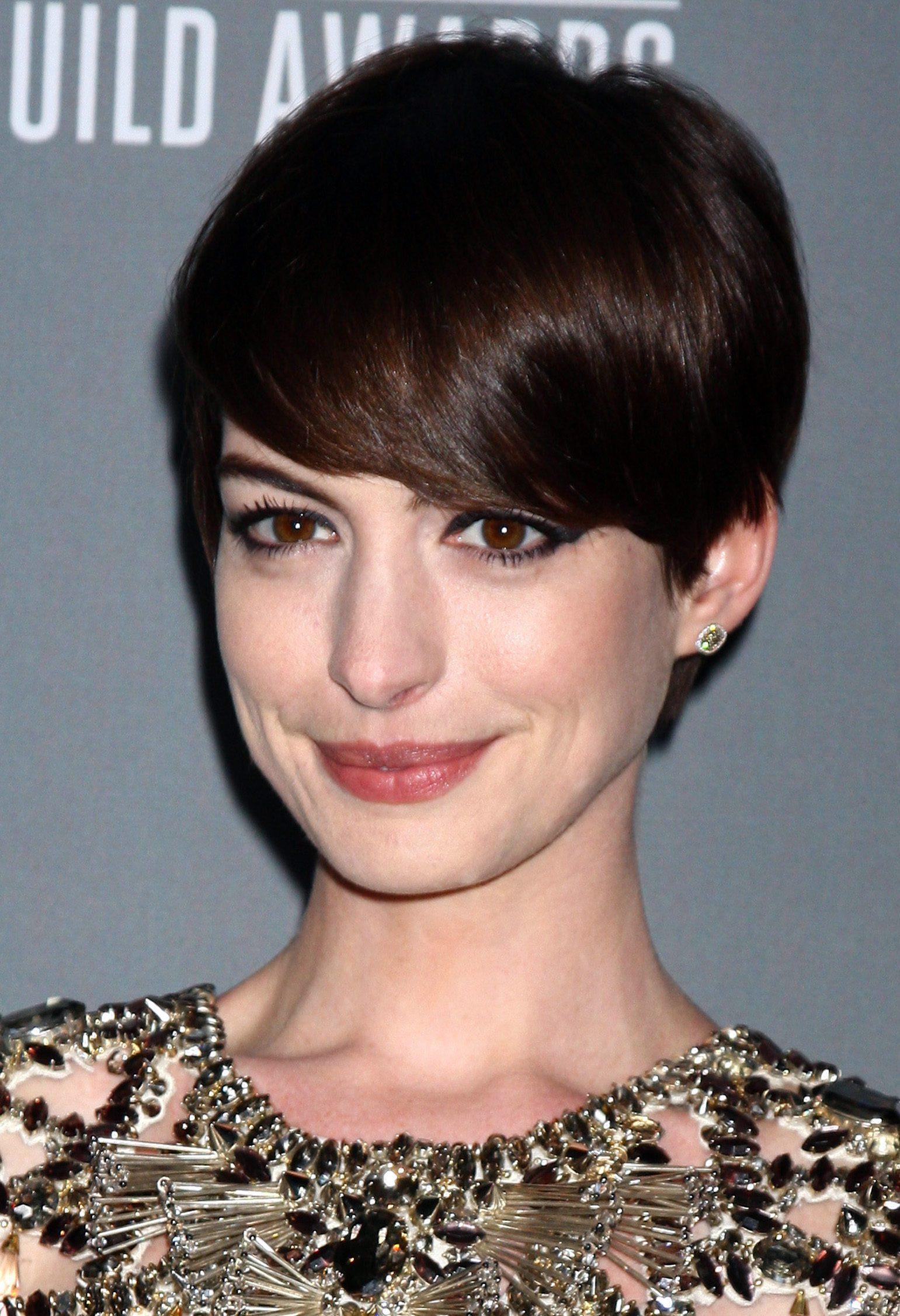 Anne Hathaway's Medium Pixie