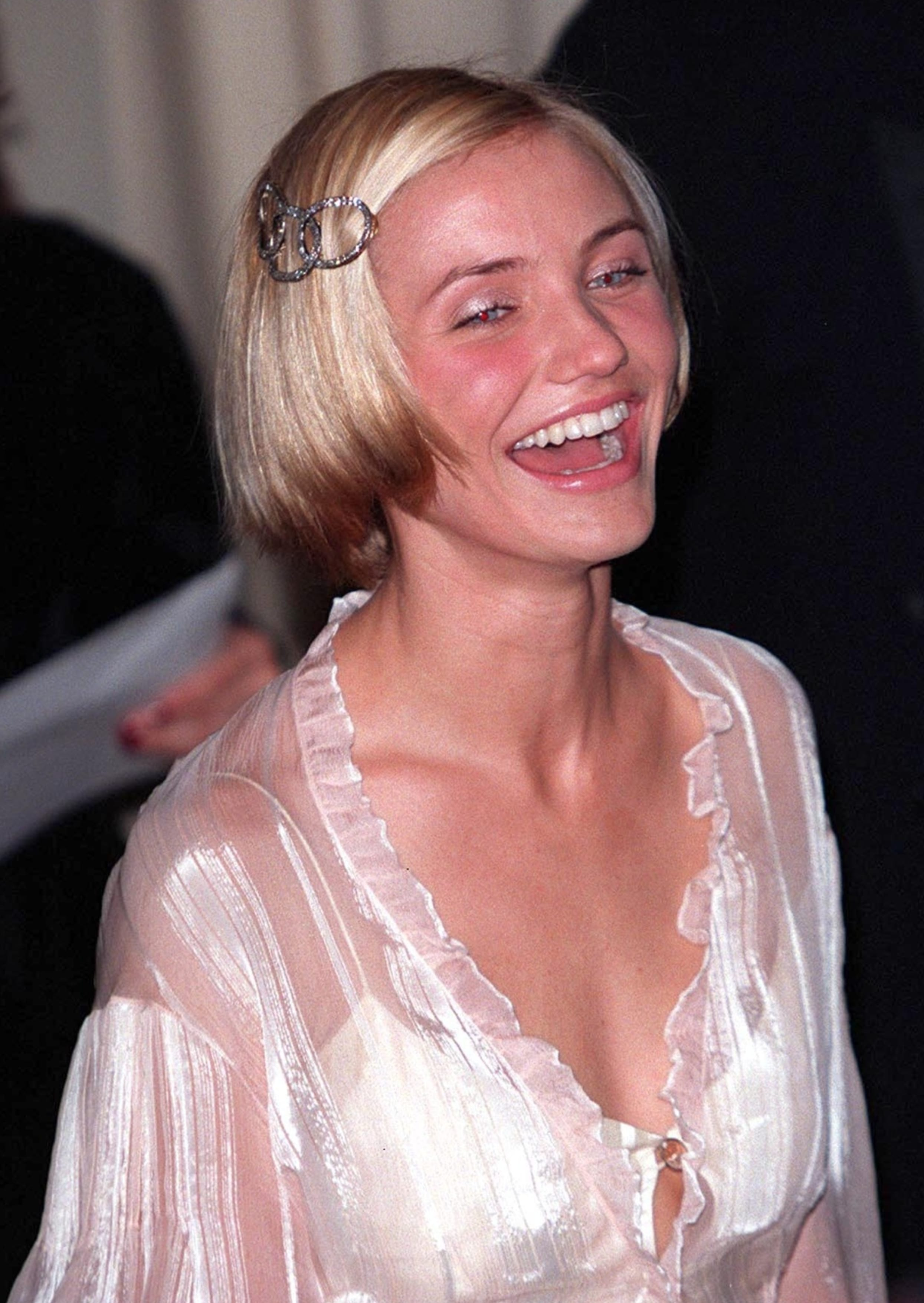 Cameron Diaz's Bob Clipped To Sides