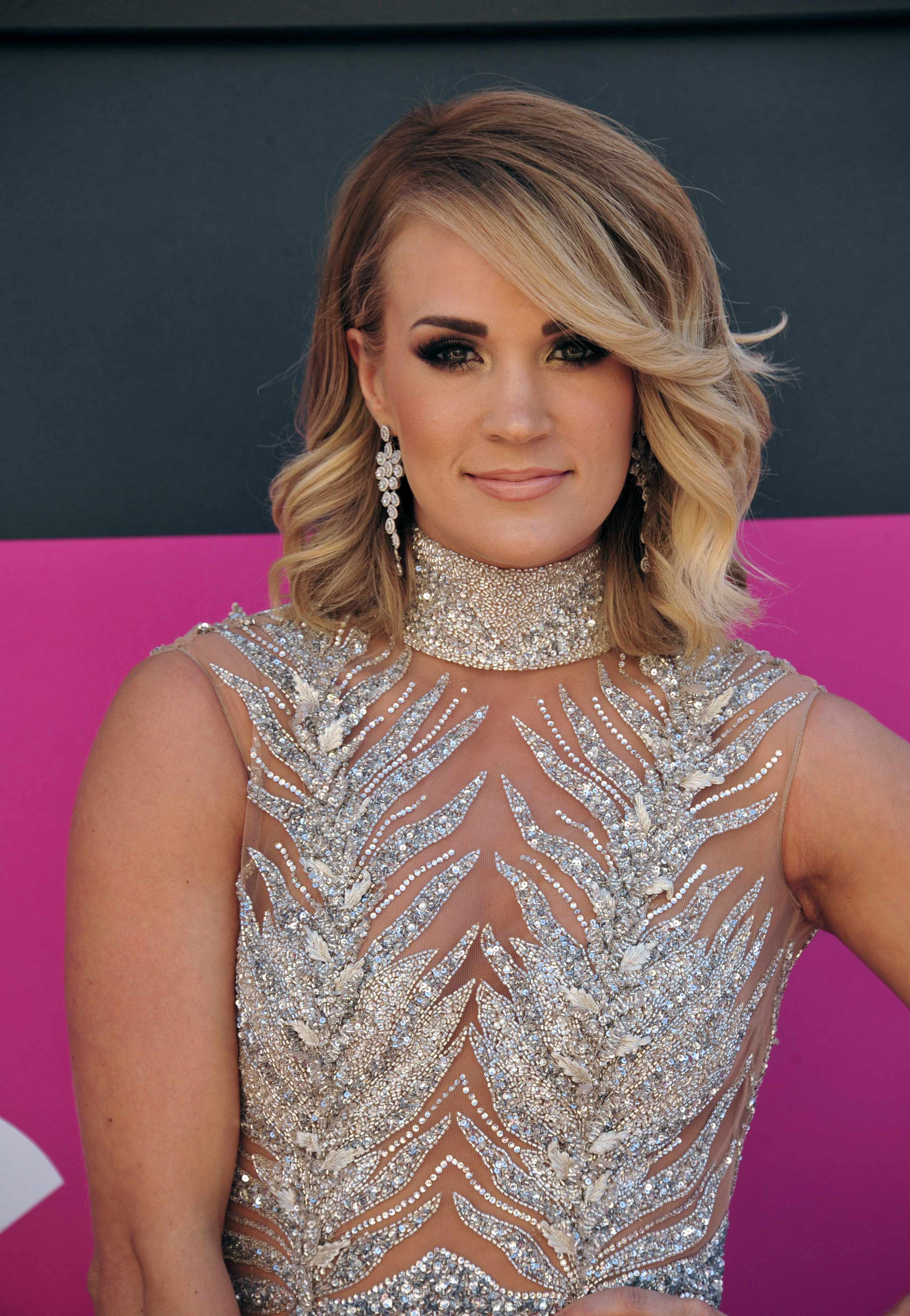 Carrie Underwood's Feathered Side Bangs