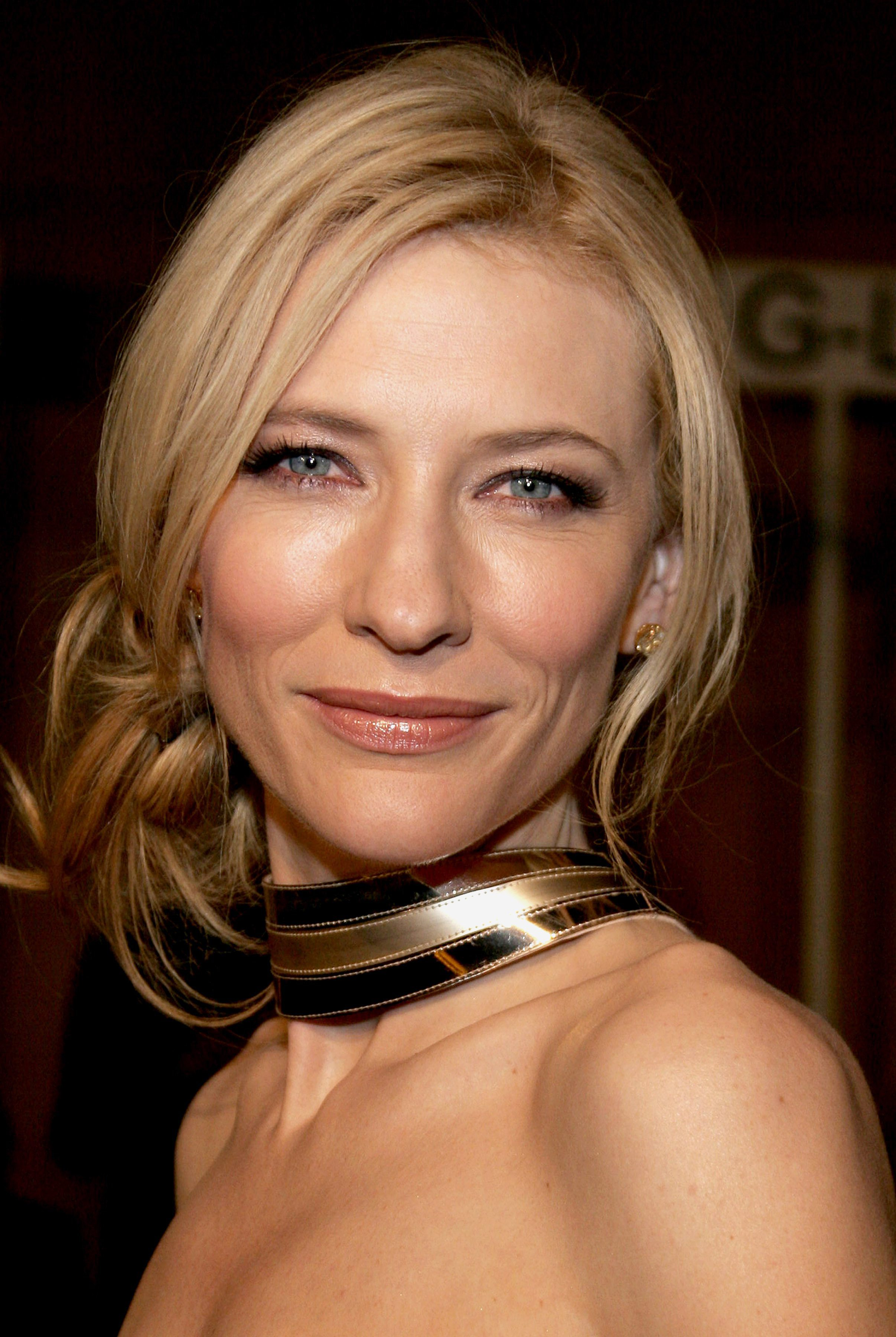 Cate Blanchett Keeping it Chill with Low Tie Bun