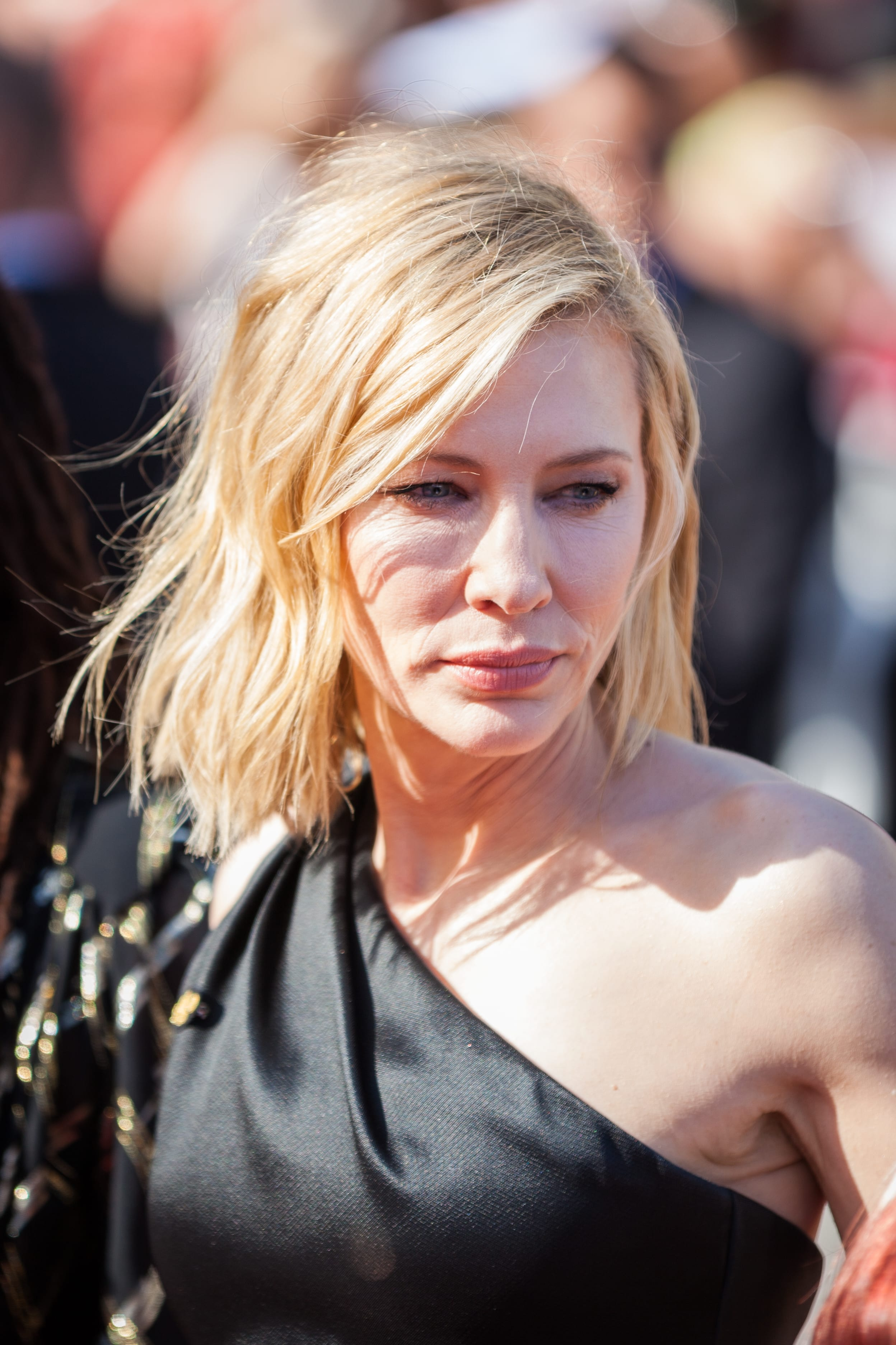 Cate Blanchett's Feathered Textured Bob
