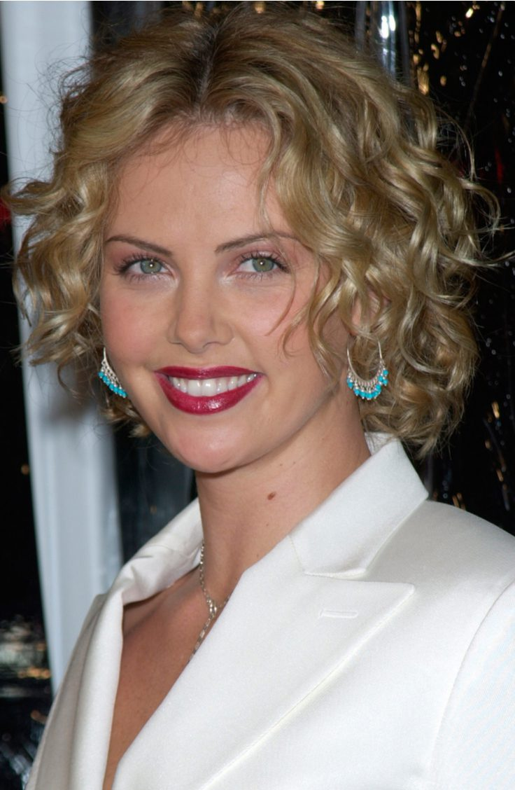 Charlize Theron's Permed Waves Hairstyle
