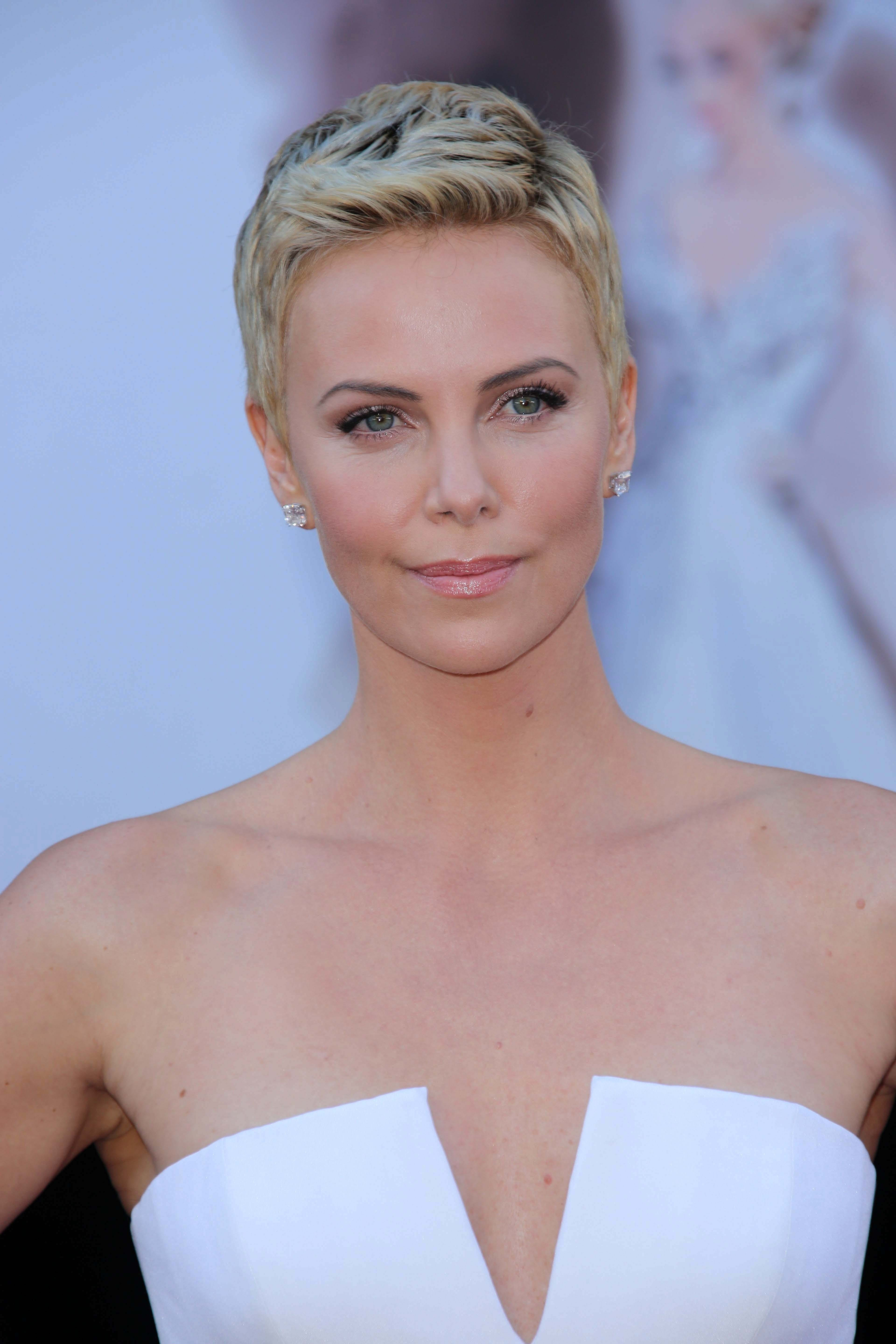 Charlize Theron's Textured Pixie