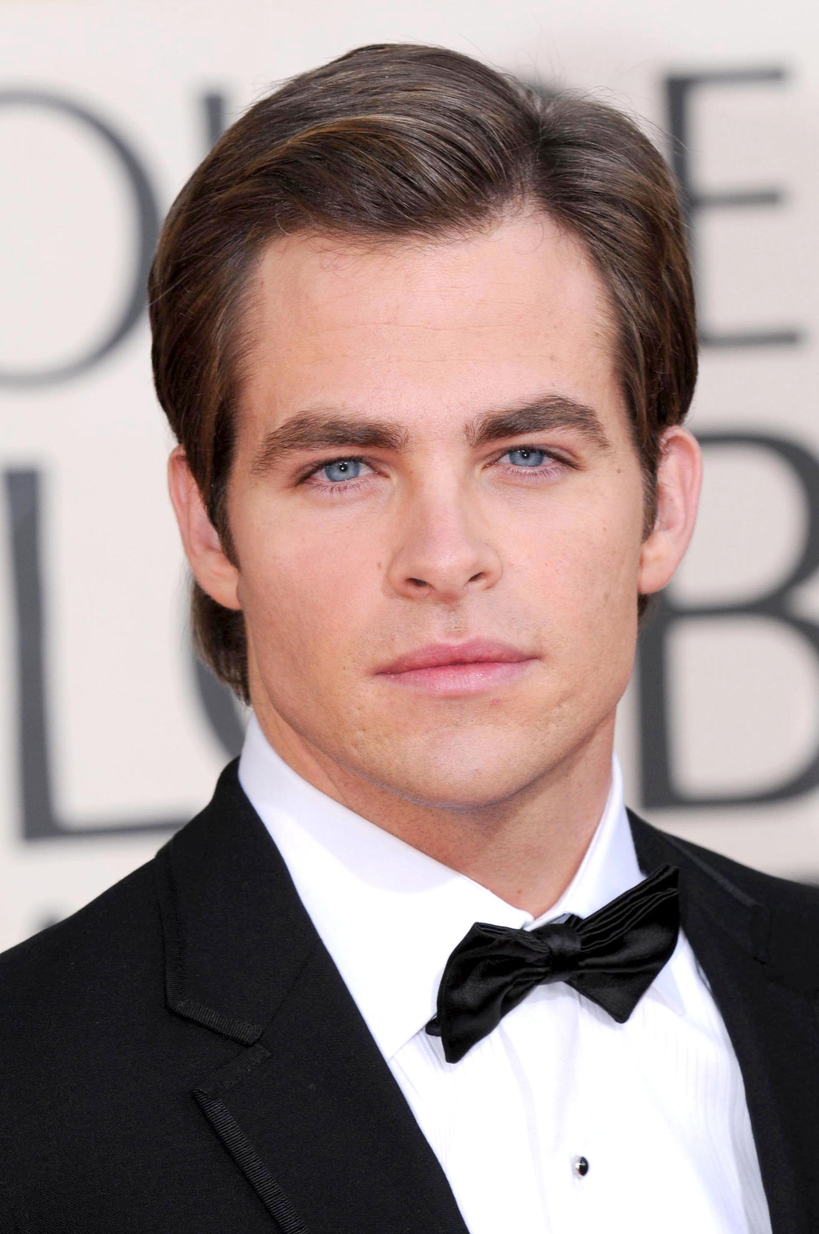 Chris Pine classic gentleman comb over side part