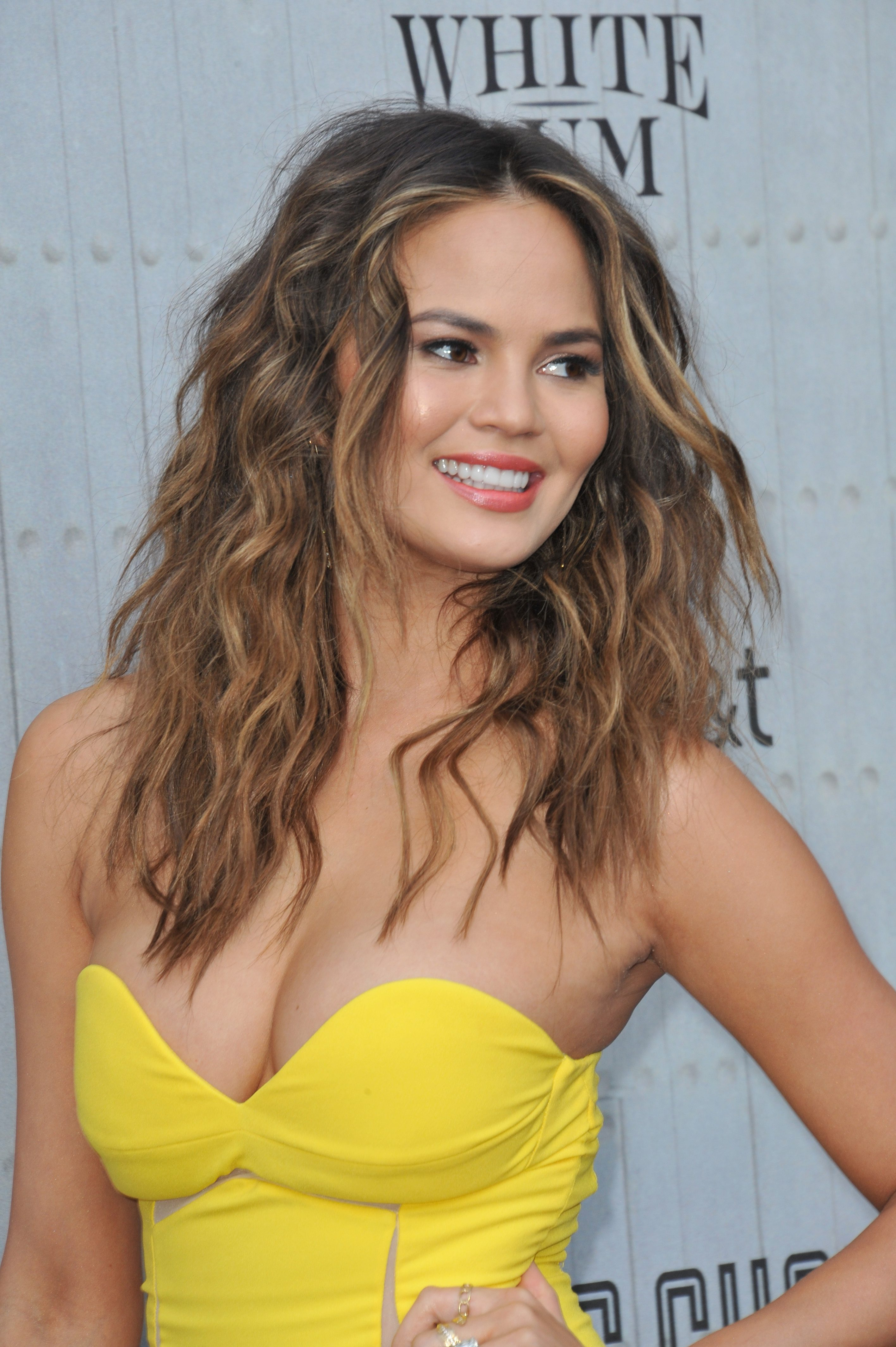 Chrissy Teigen's Messy Center-Parted Waves