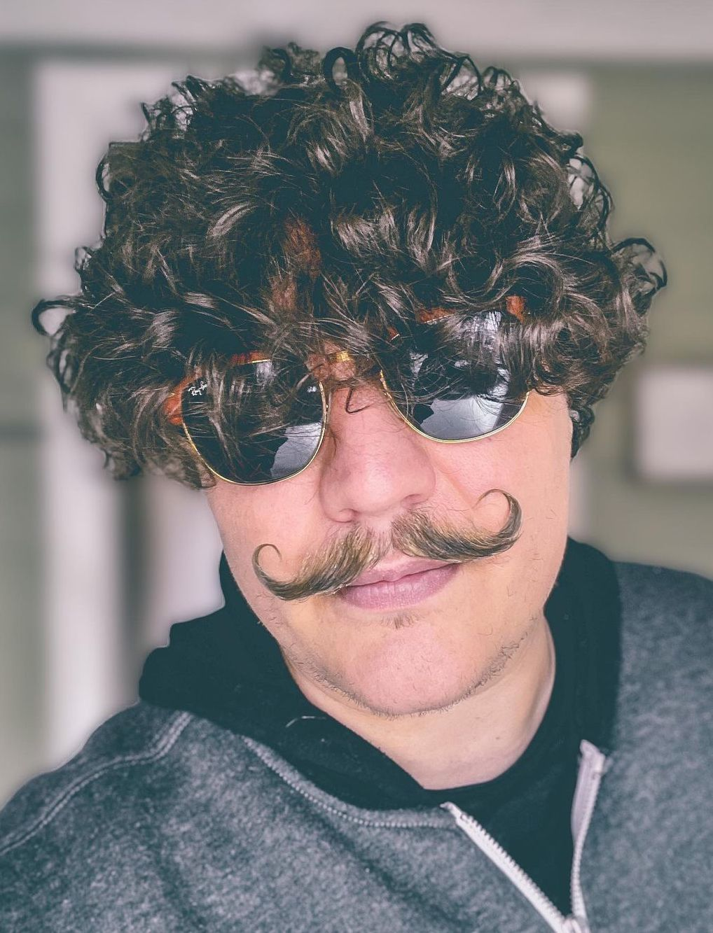 Curly Top with Imperial Handlebar