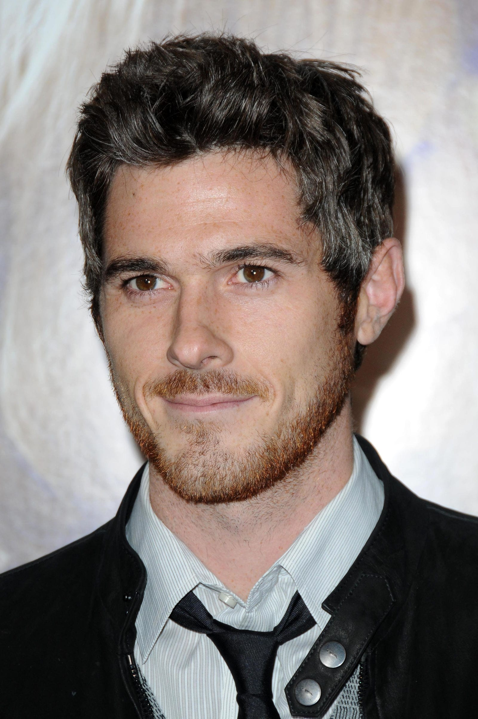 Nice Dave Annable High Volume Thick Hair Brushed Up