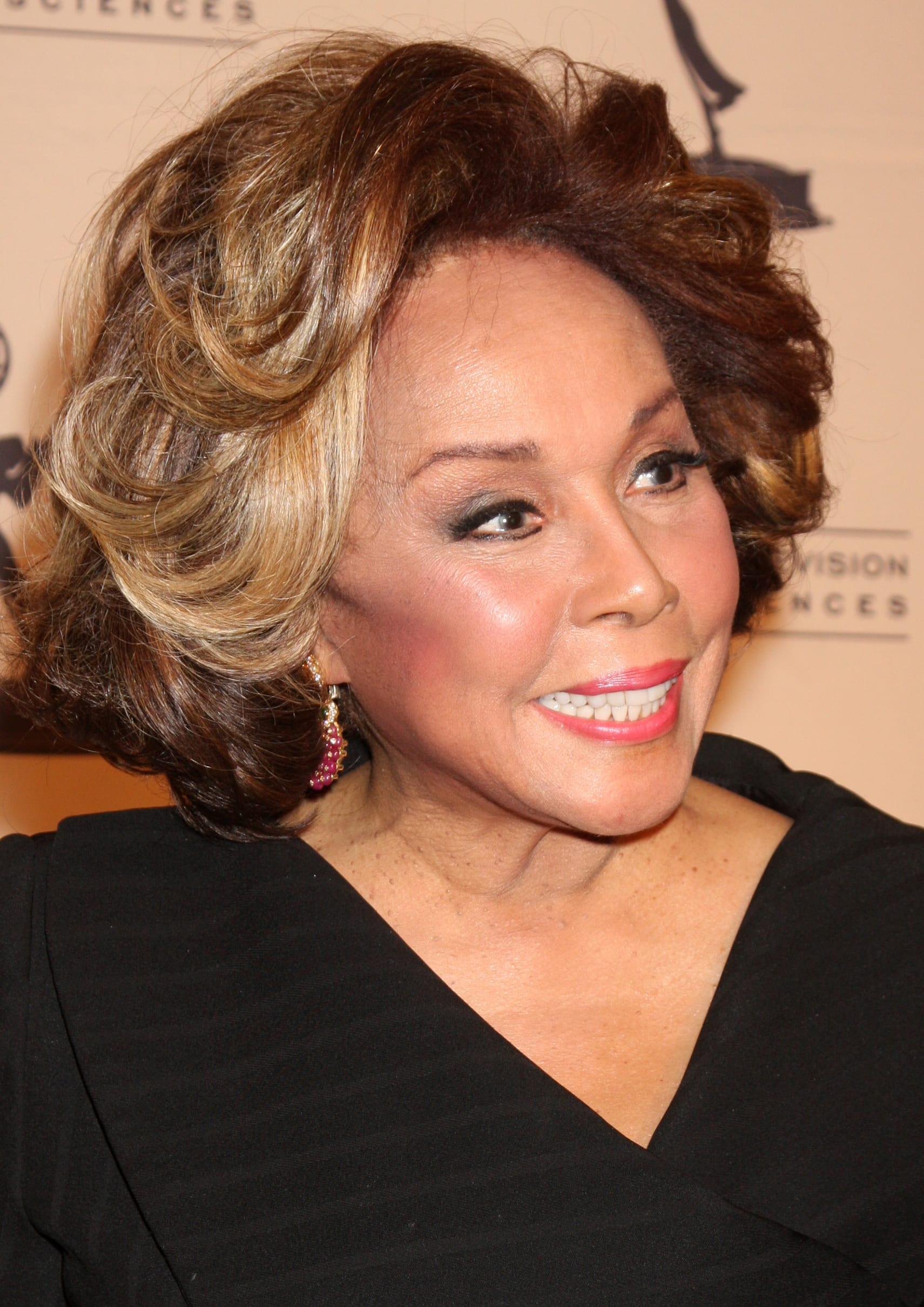 Diahann Carroll's Soft Honey Waves