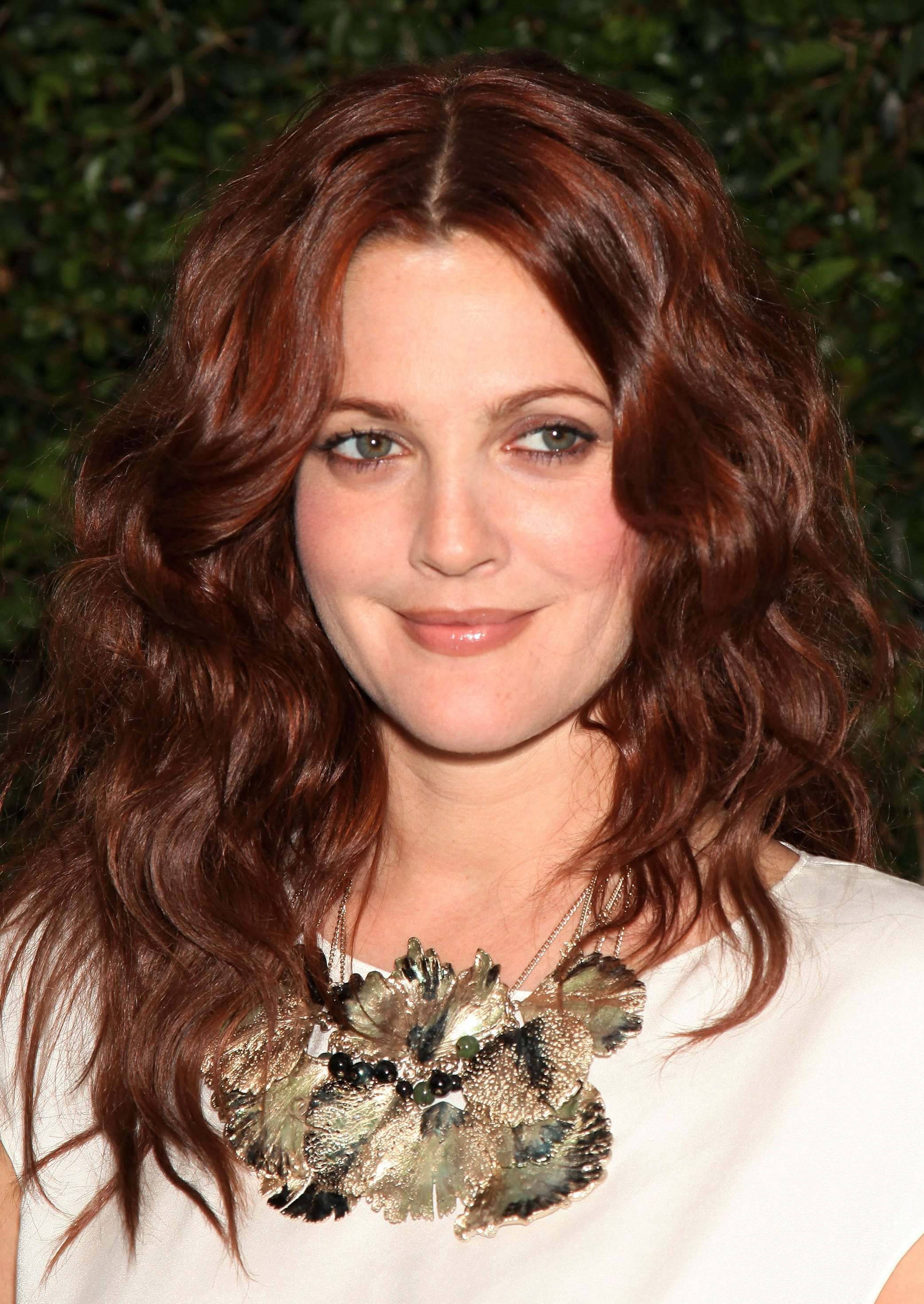 Drew Barrymore's Wavy Red Layers