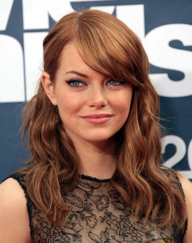 Emma Stone's Wavy Cut With Side Bangs