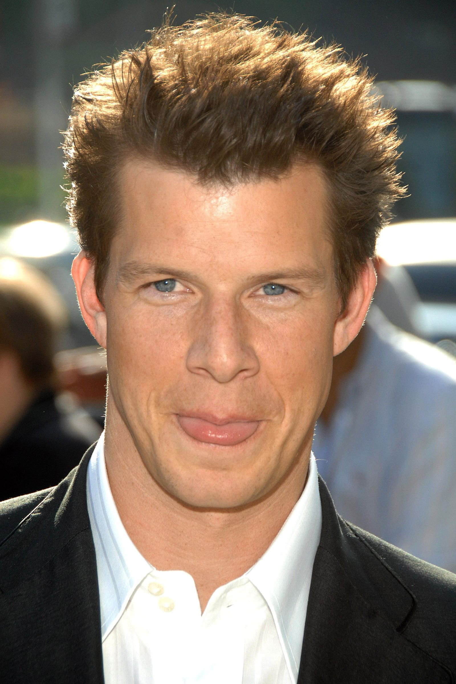 Eric Mabius blow out hairstyle