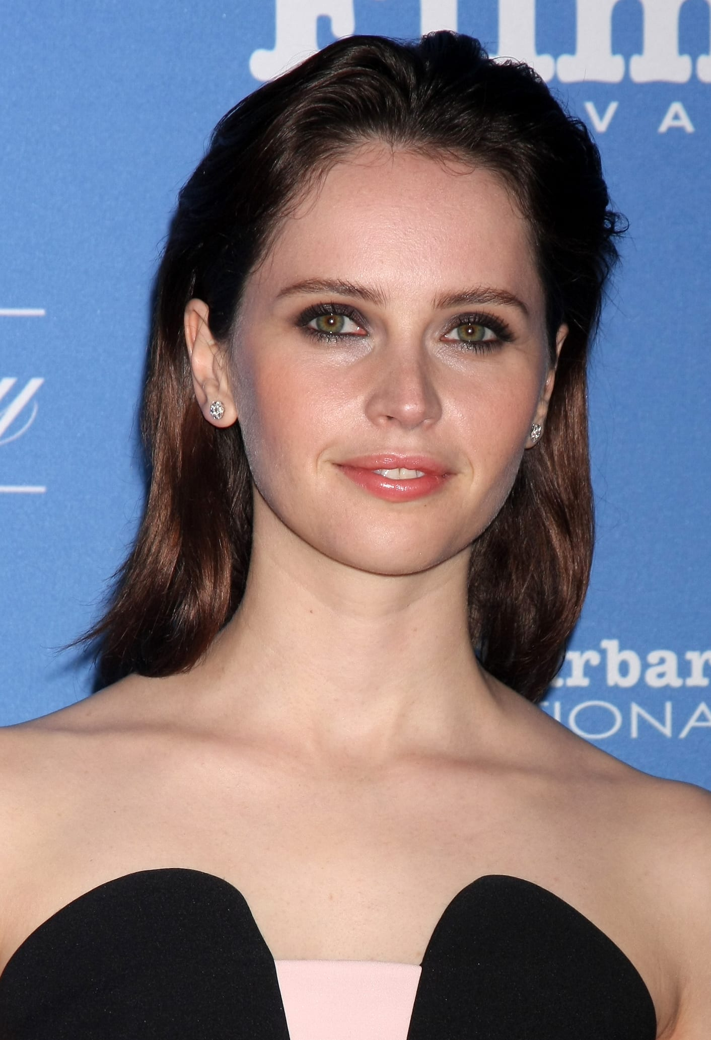 Felicity Jones's Chilled Bush-Back