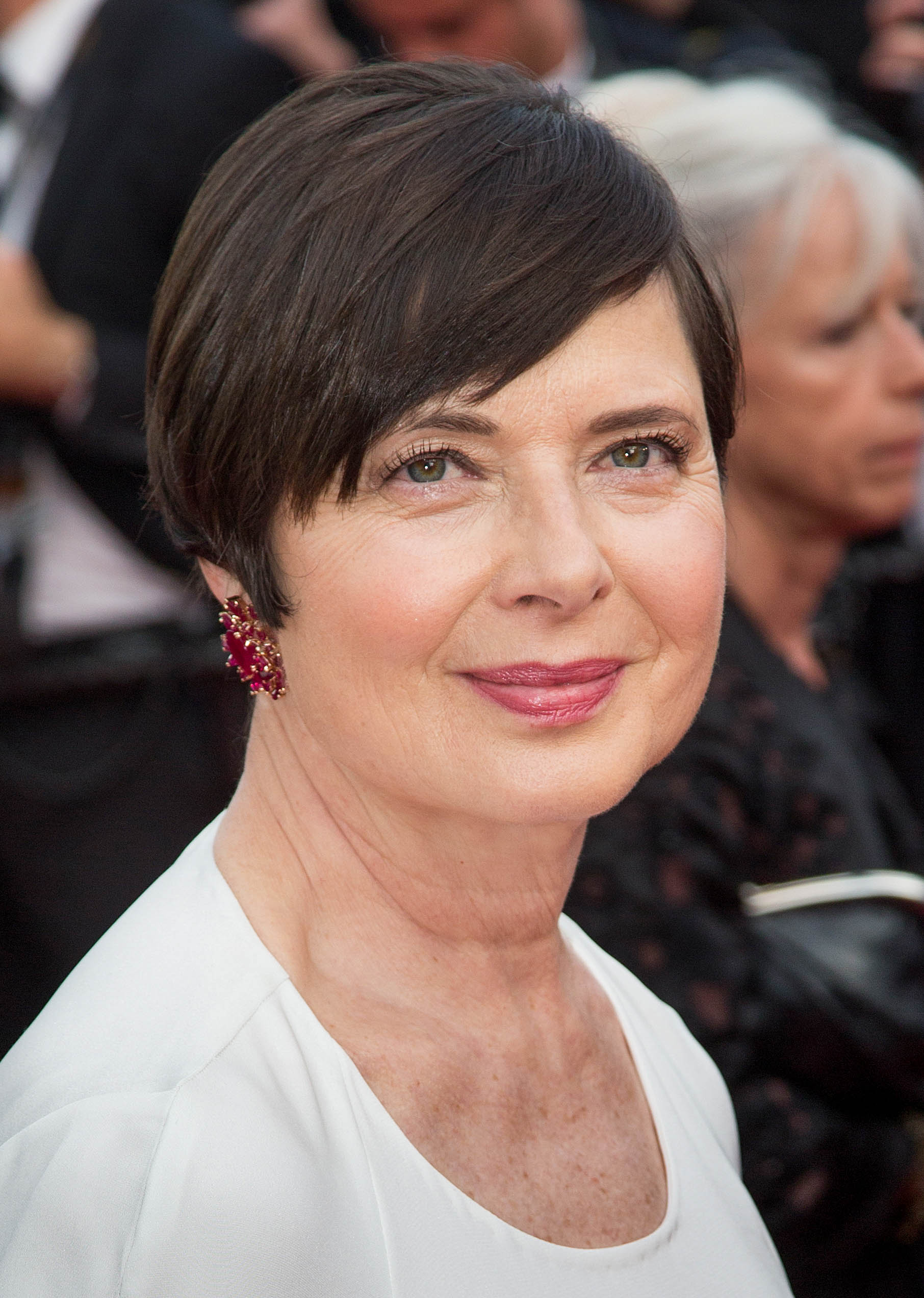 Isabella Rossellini's Pixie and Side-Swept Bangs