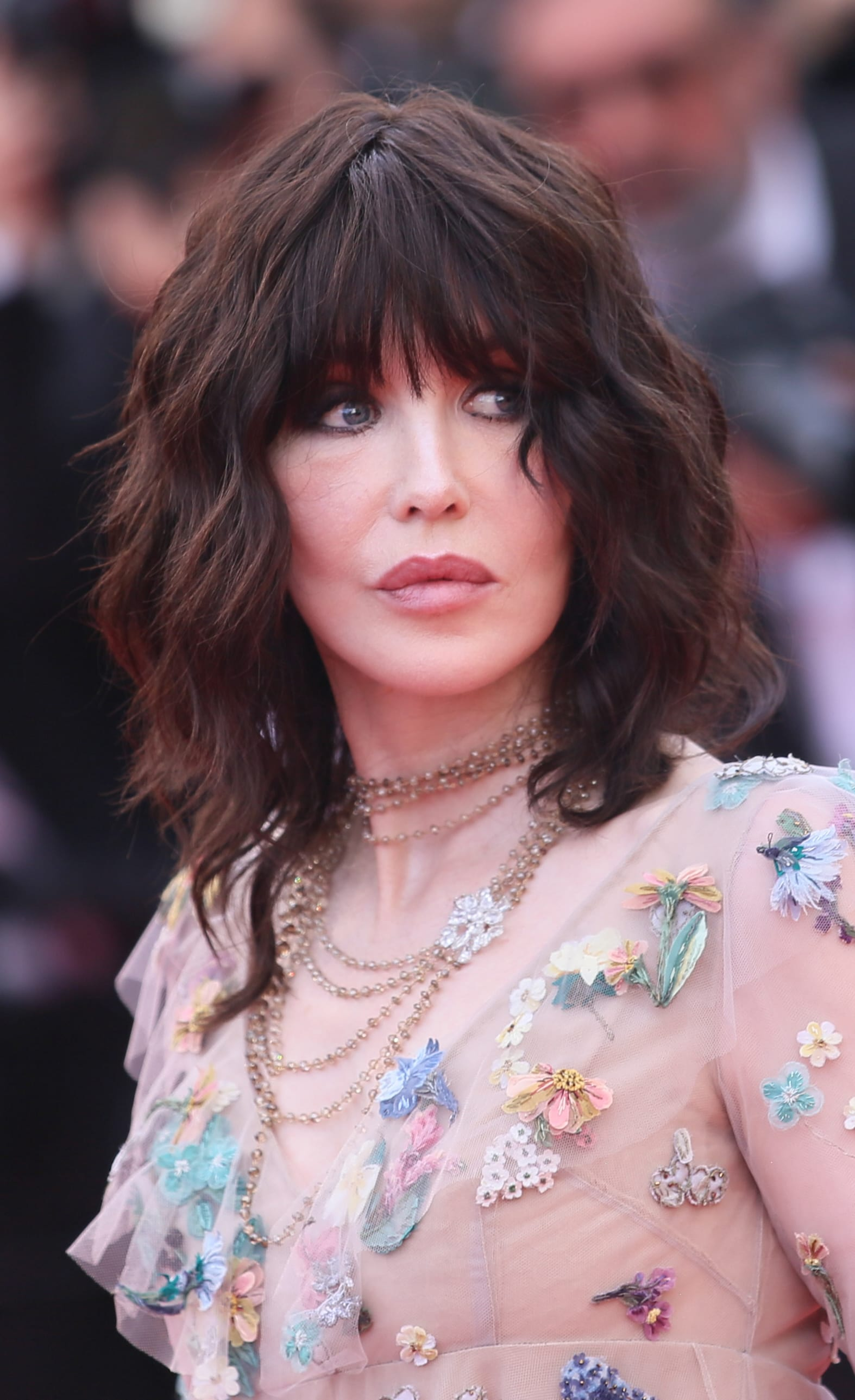 Isabelle Adjani's Choppy Fringe and Wavy Lob
