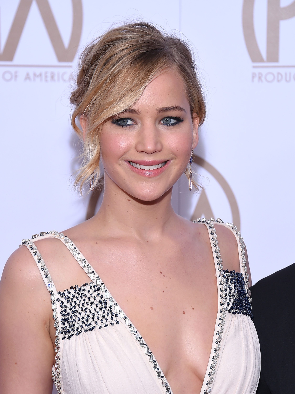 Jennifer Lawrence's Wavy Updo With Side Bangs