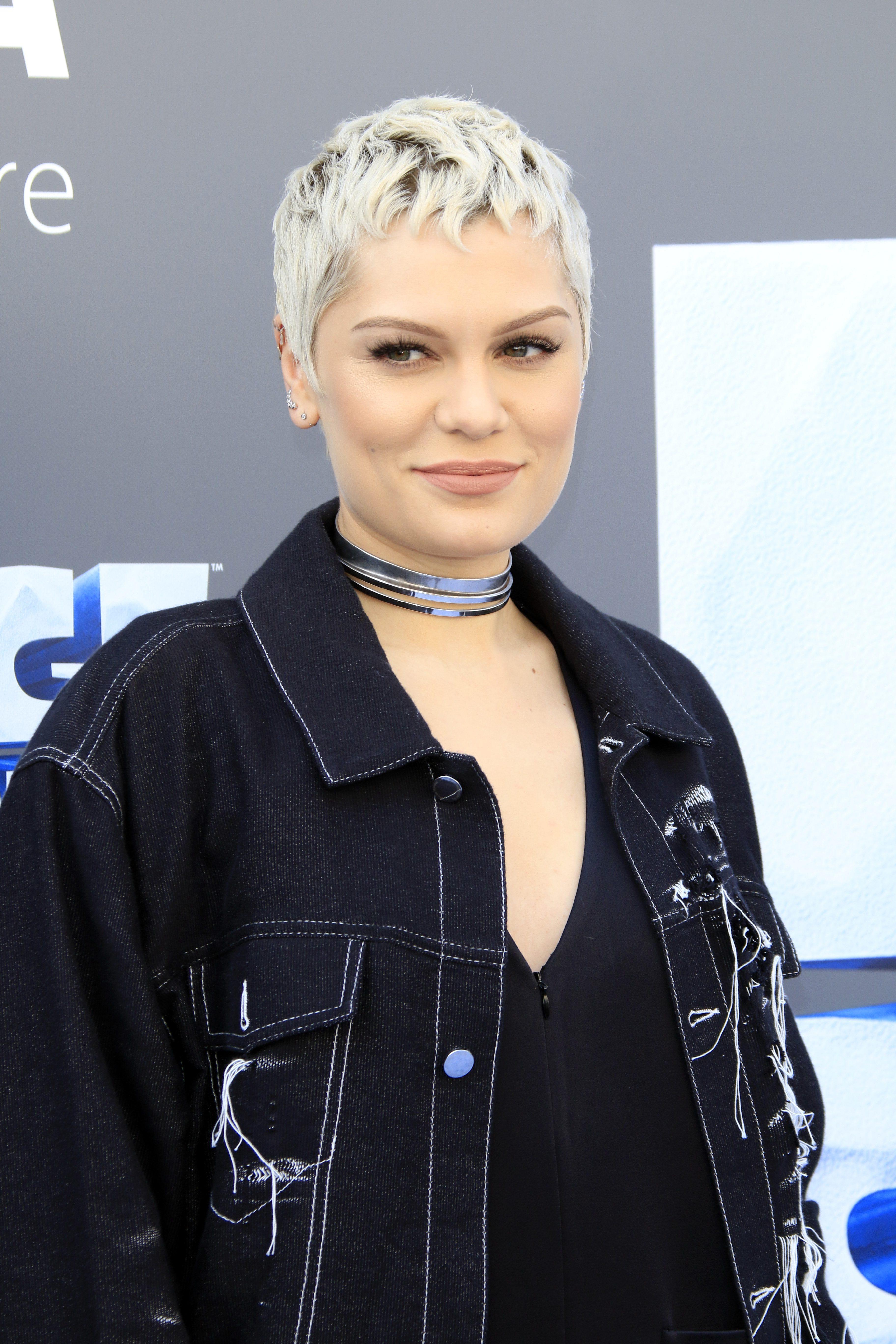Jessie J's Piecey Platinum-Blonde Pixie