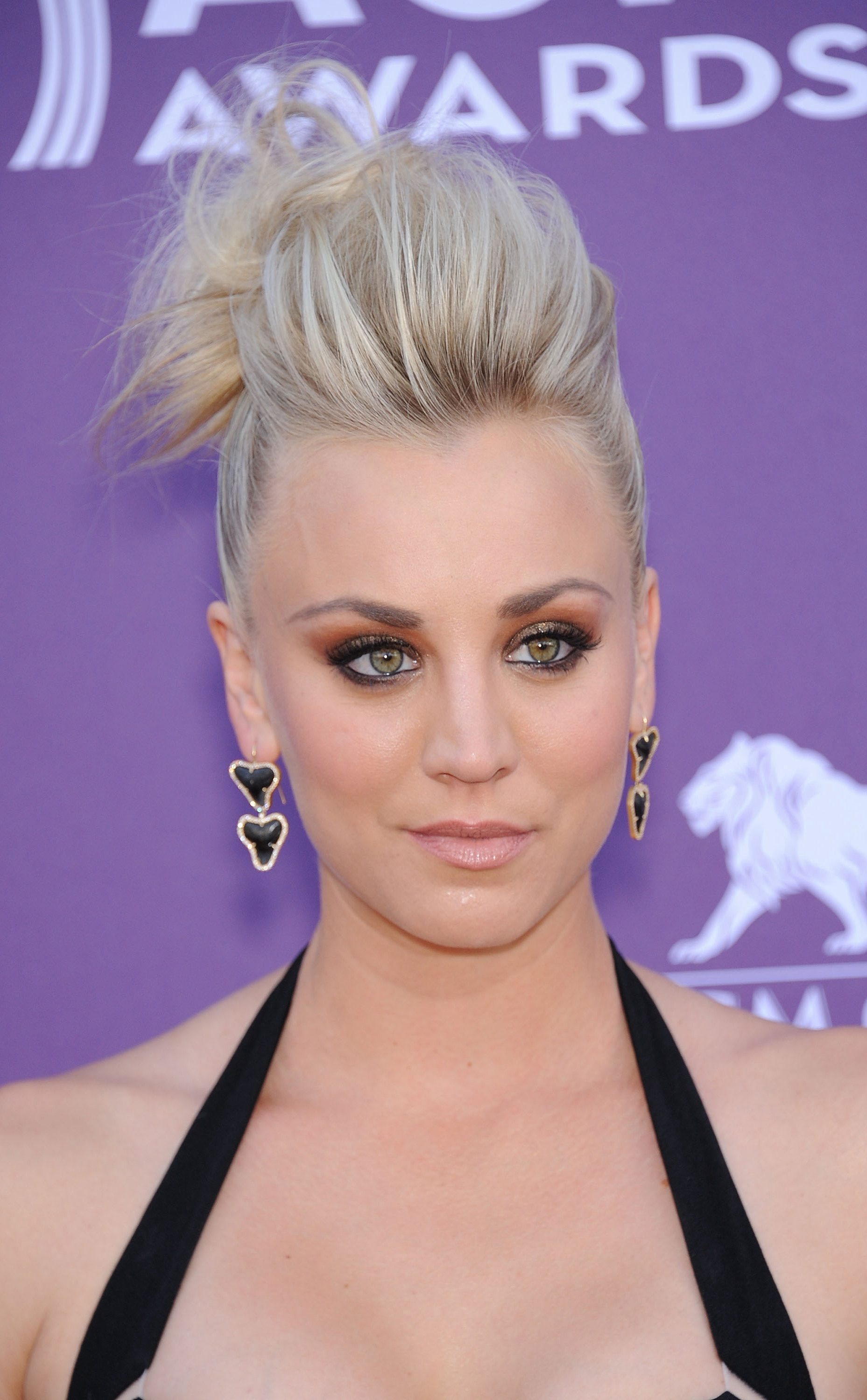 Kaley Cuoco's Mohawk Inspired Updo Hairstyle