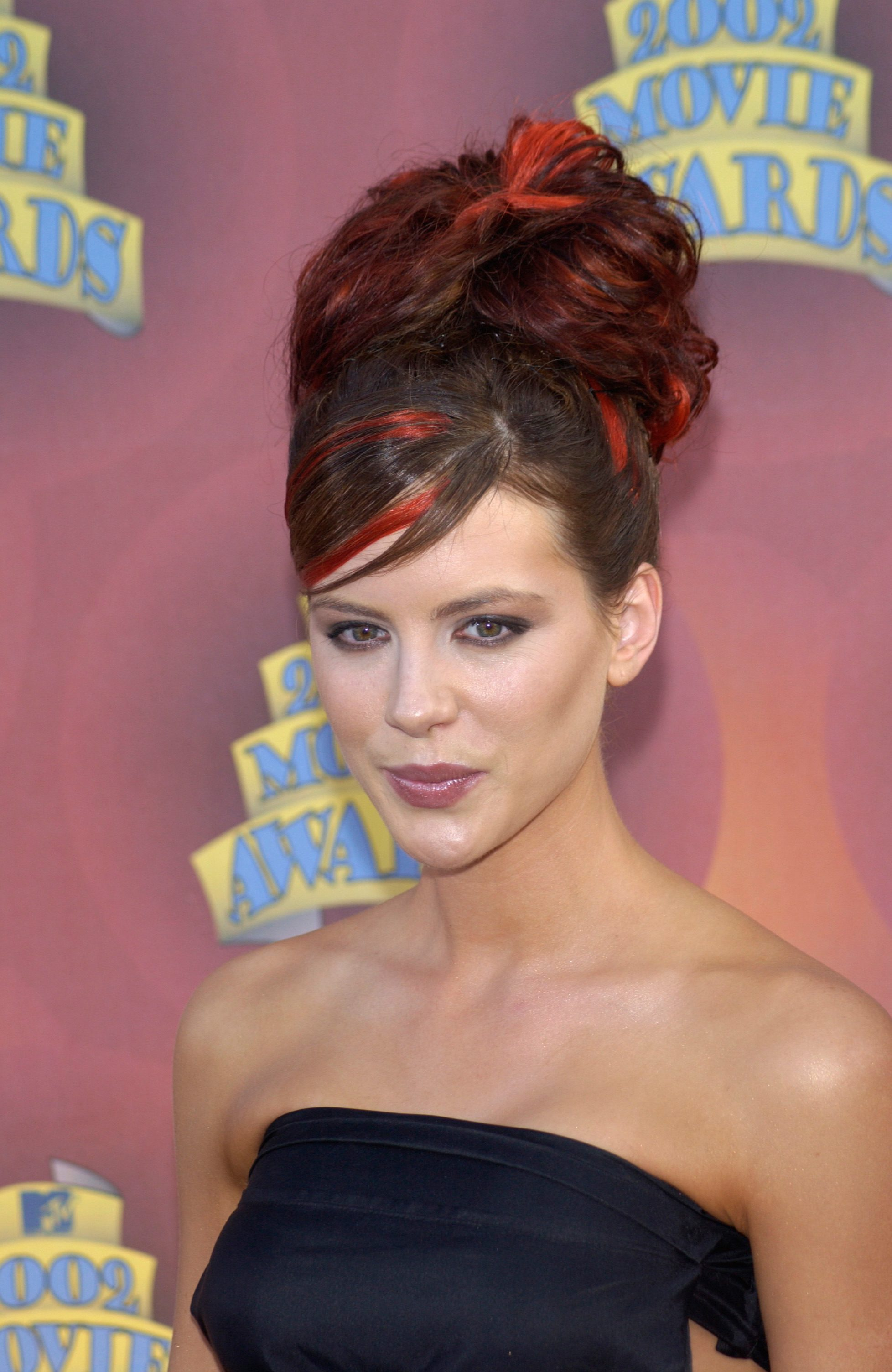 Kate Beckinsale's Chocolate Brown Hair with Bright Red Highlights