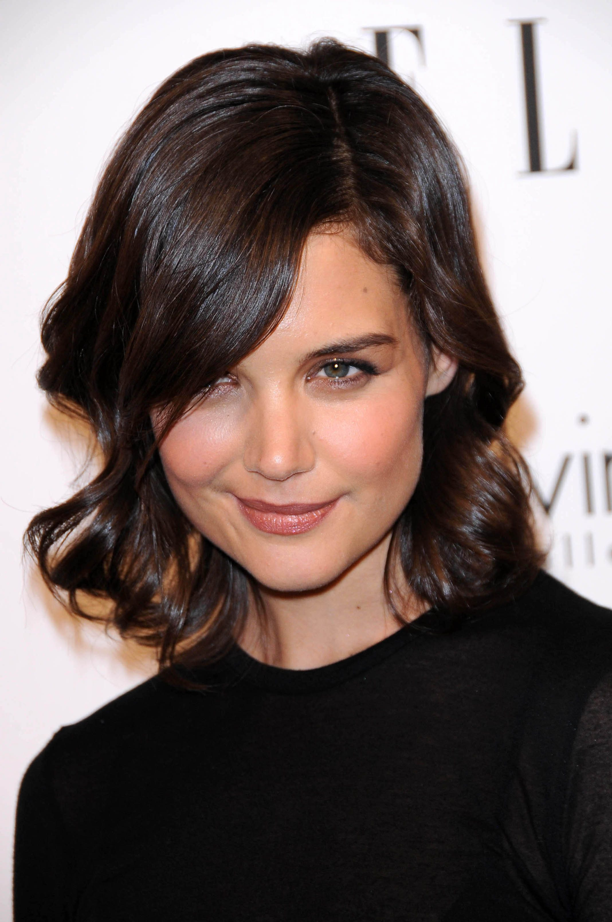 Katie Holmes' Mid-Length Curls With Side Bangs