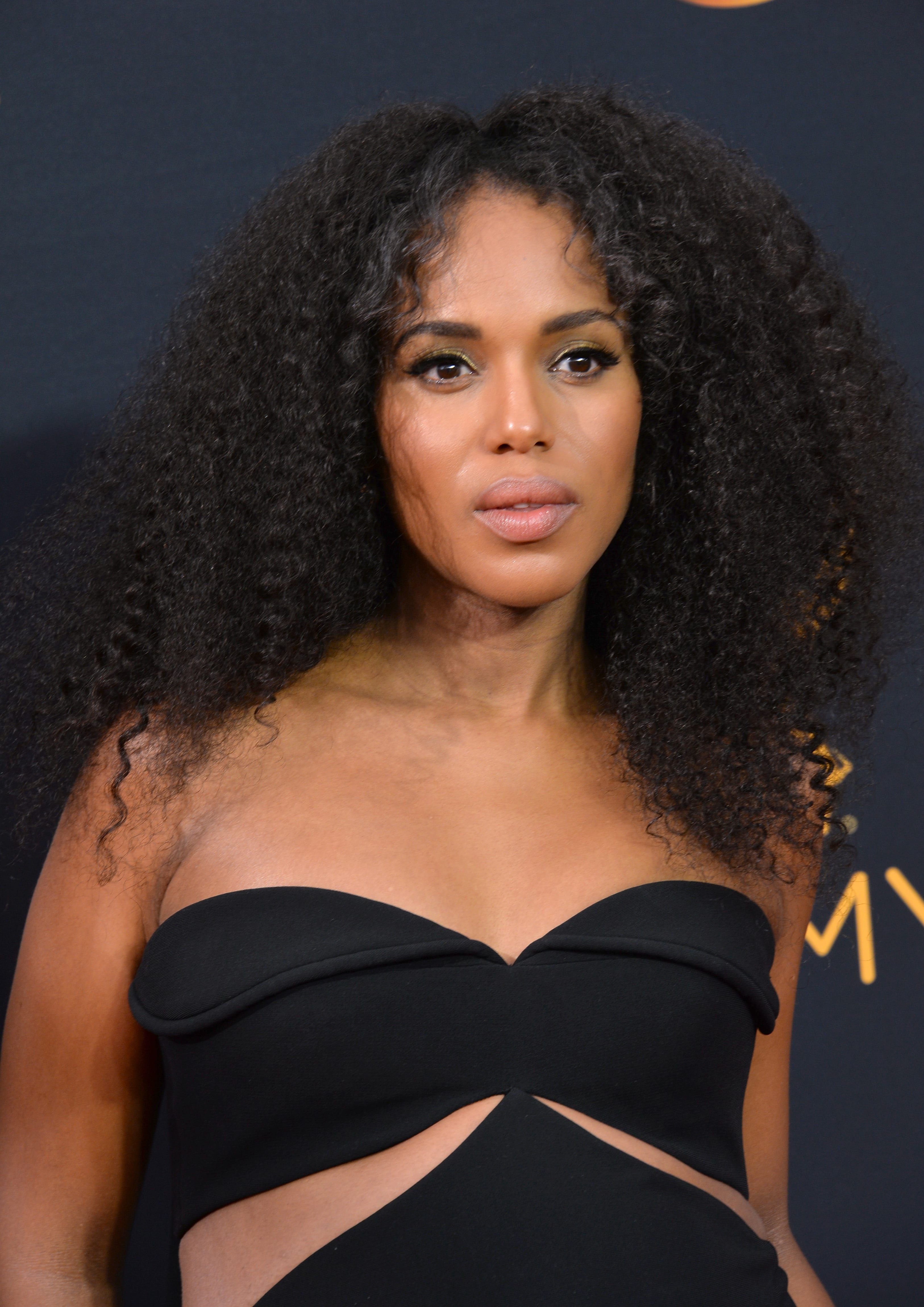 Kerry Washington's Long Center-Parted Afro