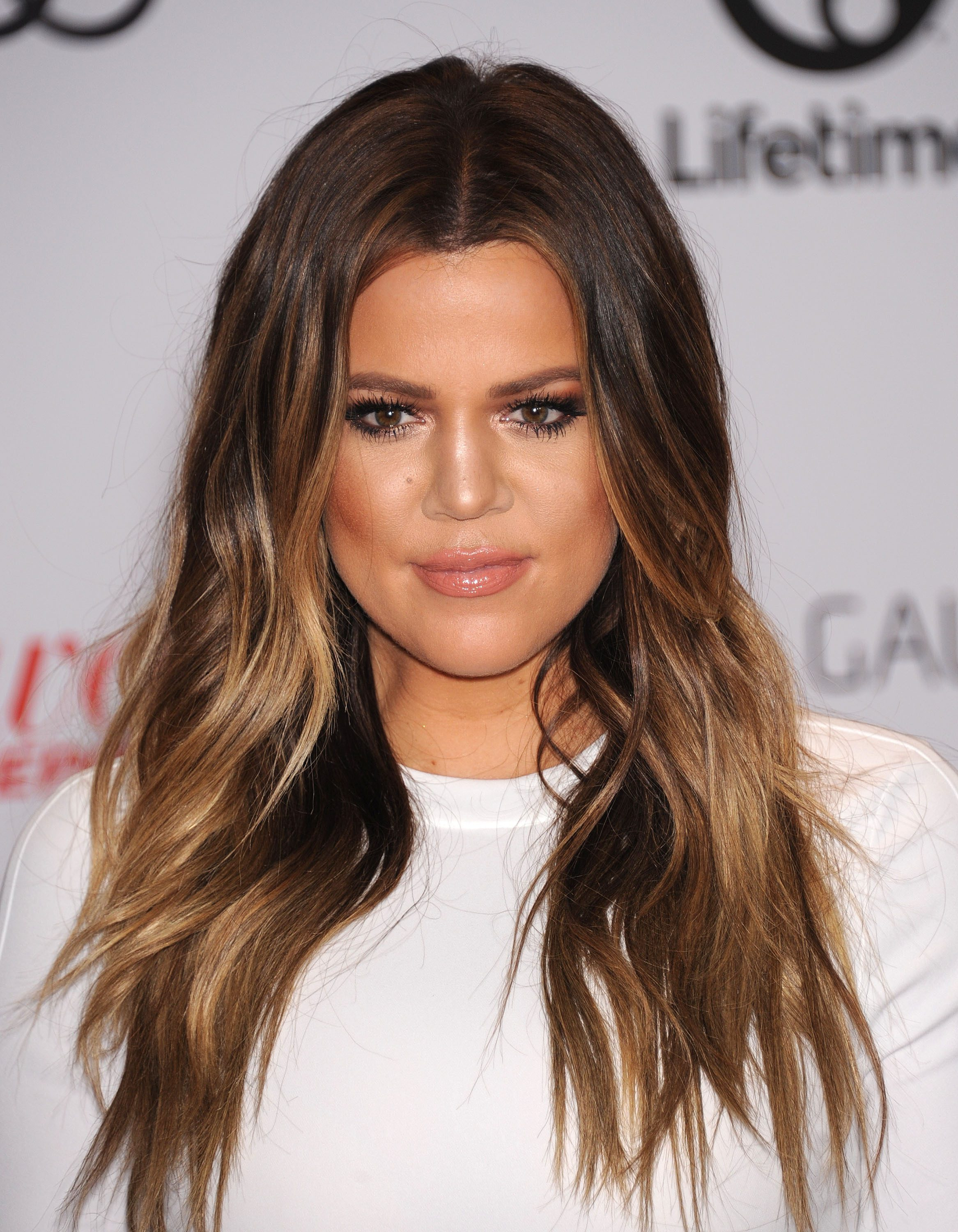 Khloe Kardashian's Chocolate Brown with Face-Framing Highlights