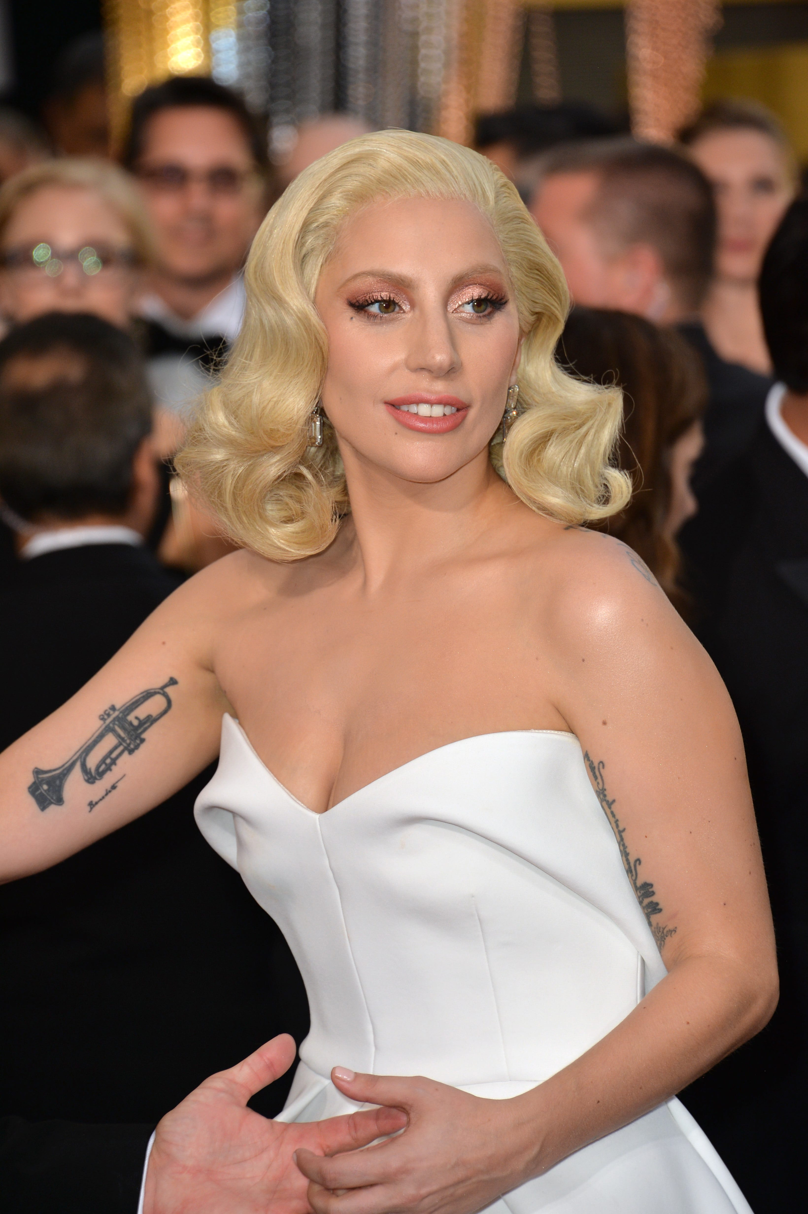 Lady Gaga's and No-Part Hair Trend