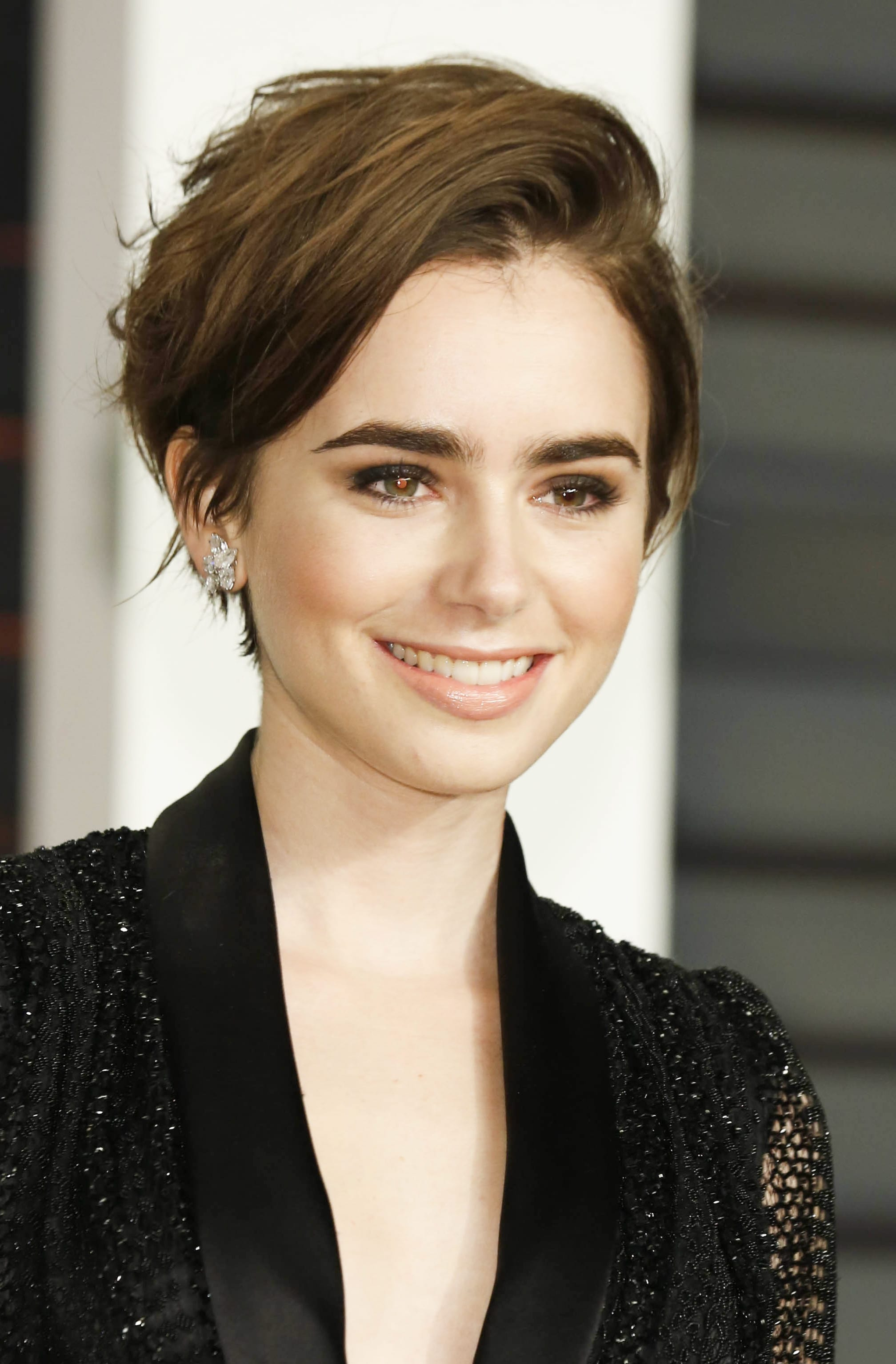 Lily Collins' Side Swept Pixie
