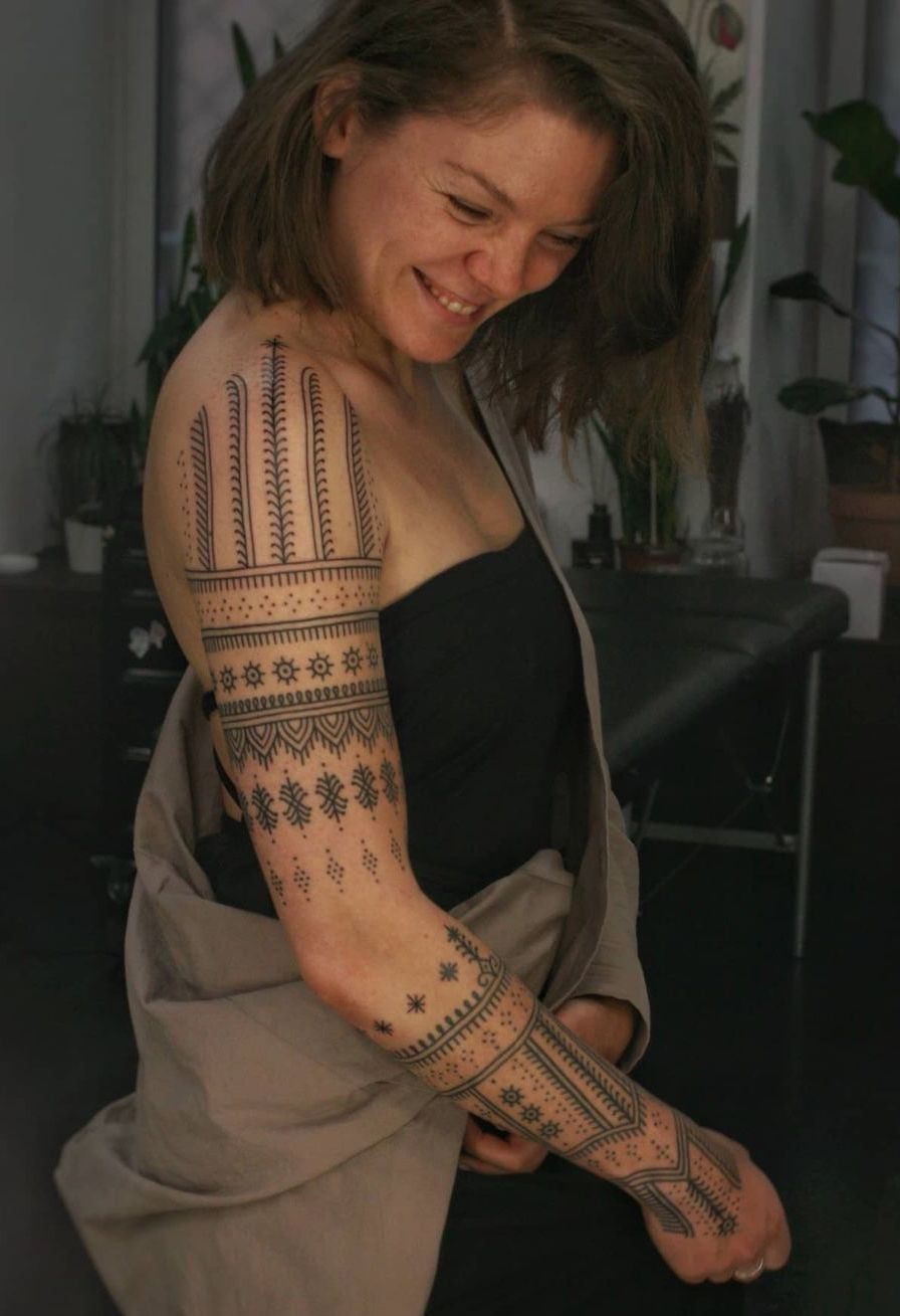 Lines and Patterns for the Sleeve