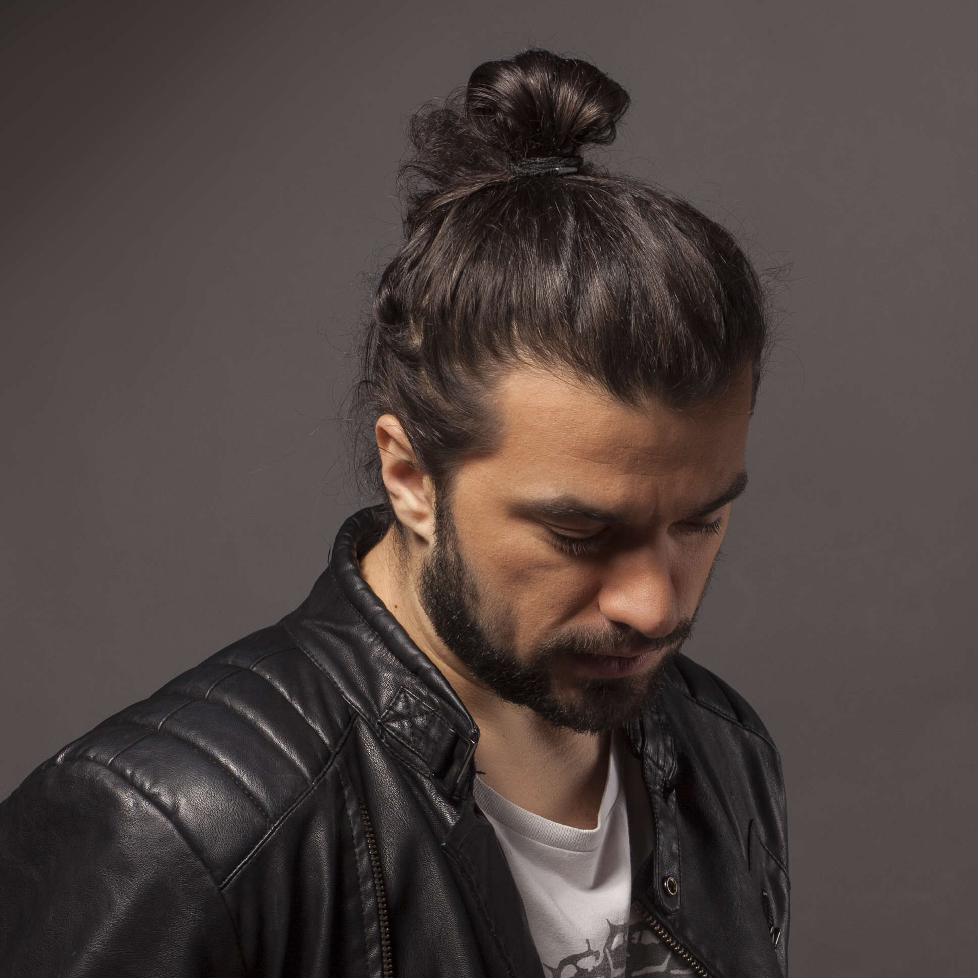 7 Types of Man Bun Hairstyles | Gallery + How To