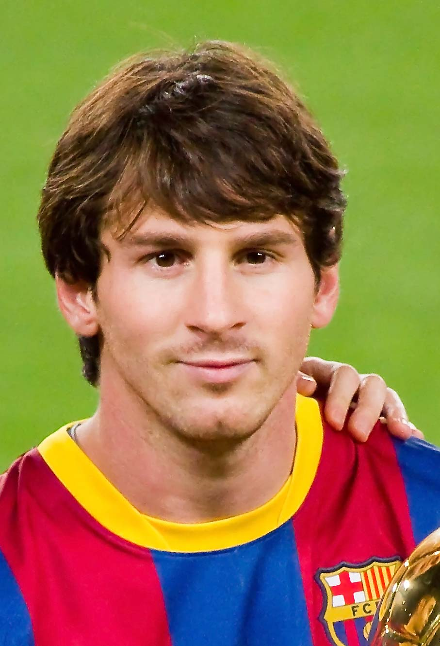 Lionel Messi S Top 10 Most Iconic Hairstyles Haircut Inspiration
