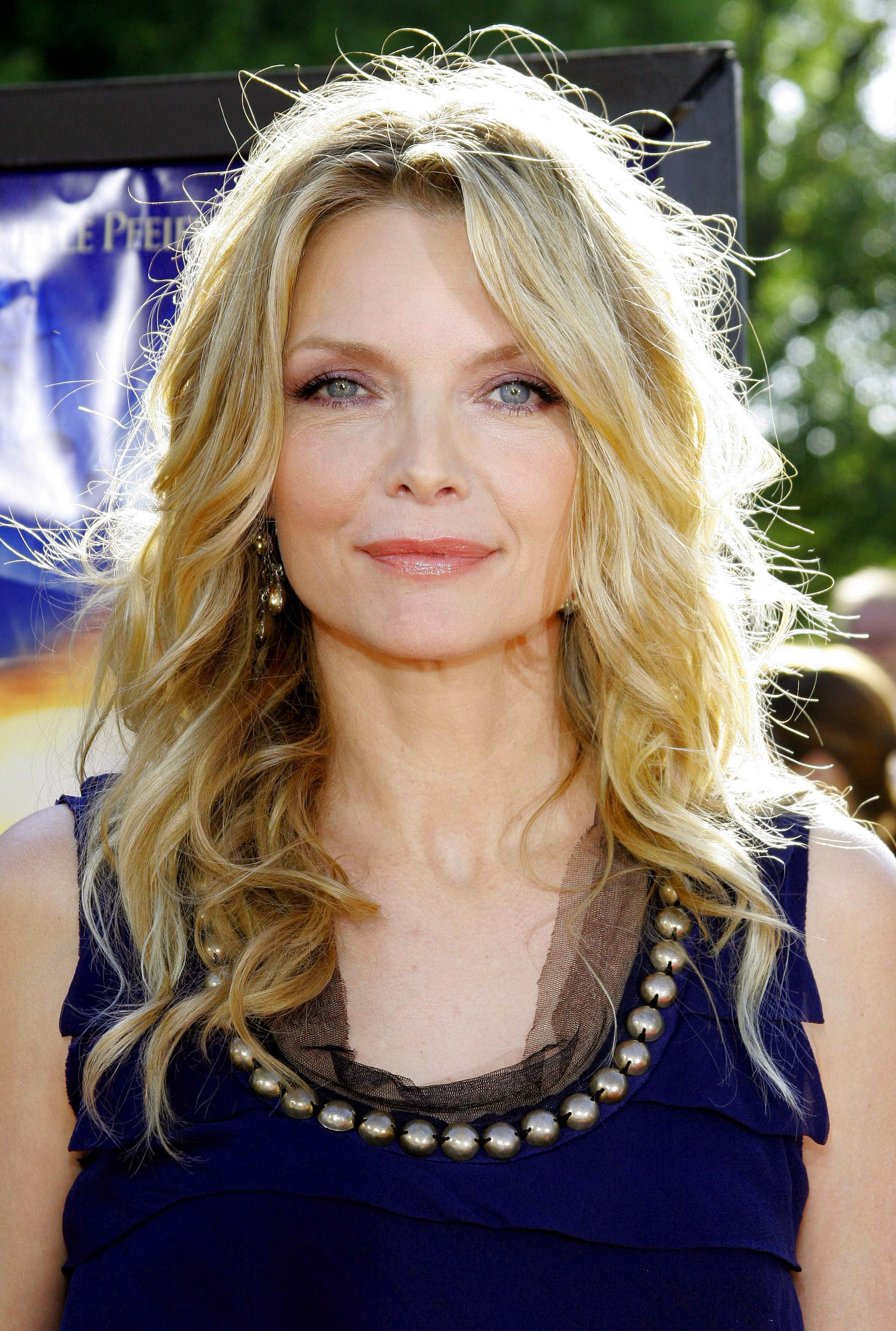 Michelle Pfeiffer's Messy Curls