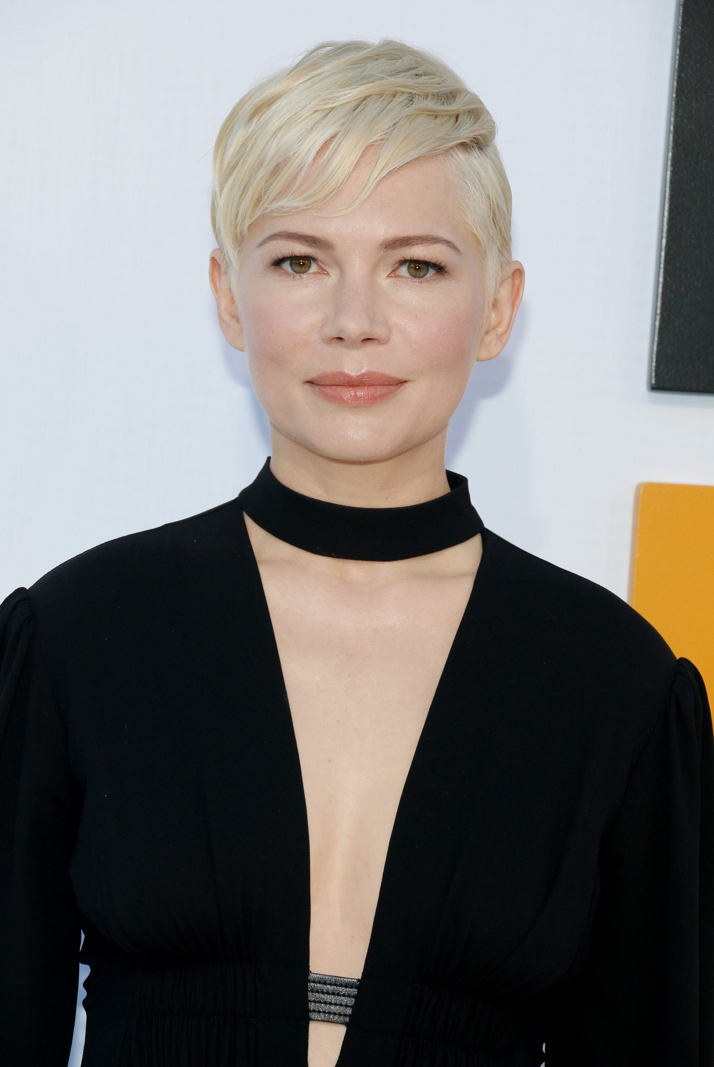Michelle Williams' Side-Swept Pixie