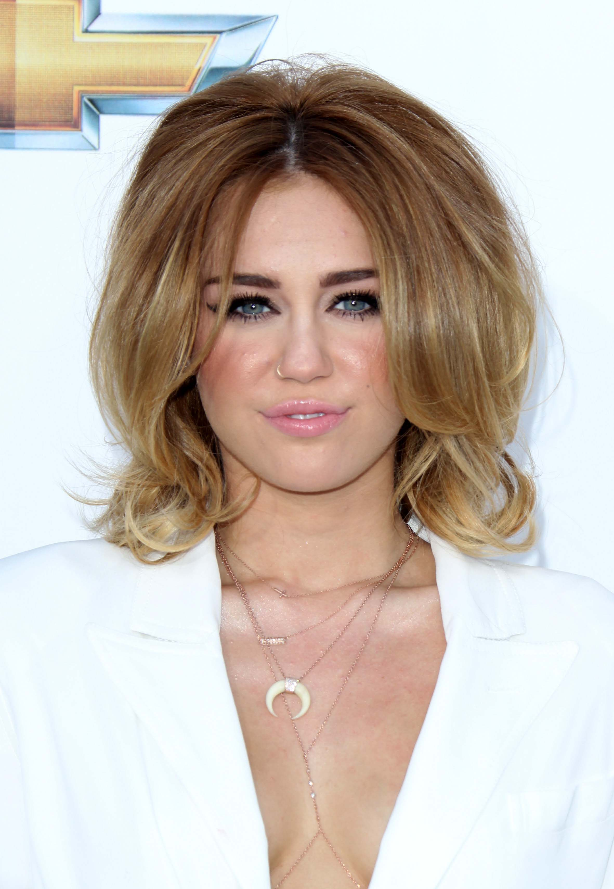 Miley Cyrus's Blow Out Shag