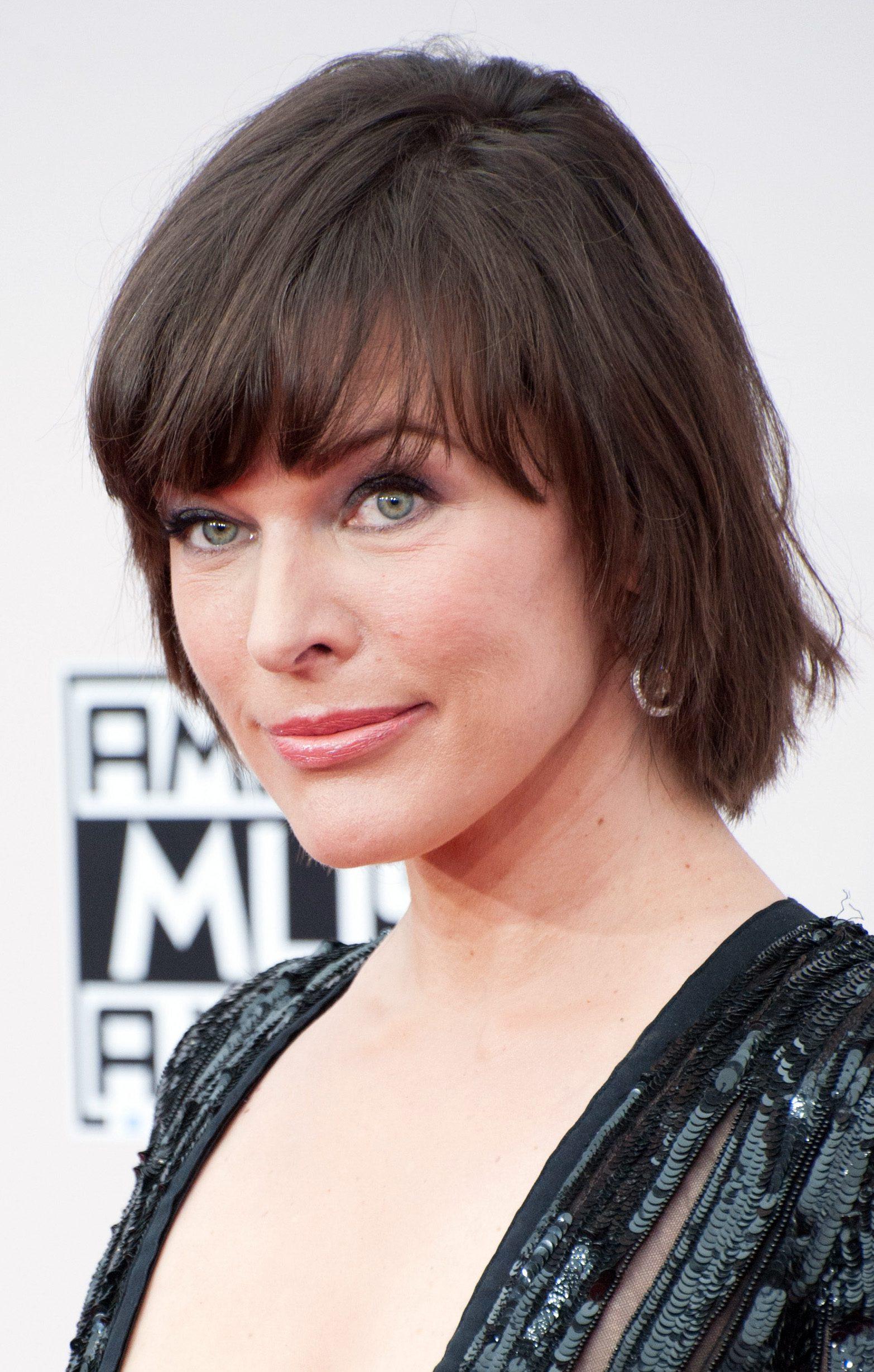 Milla Jovovich's Short Shag