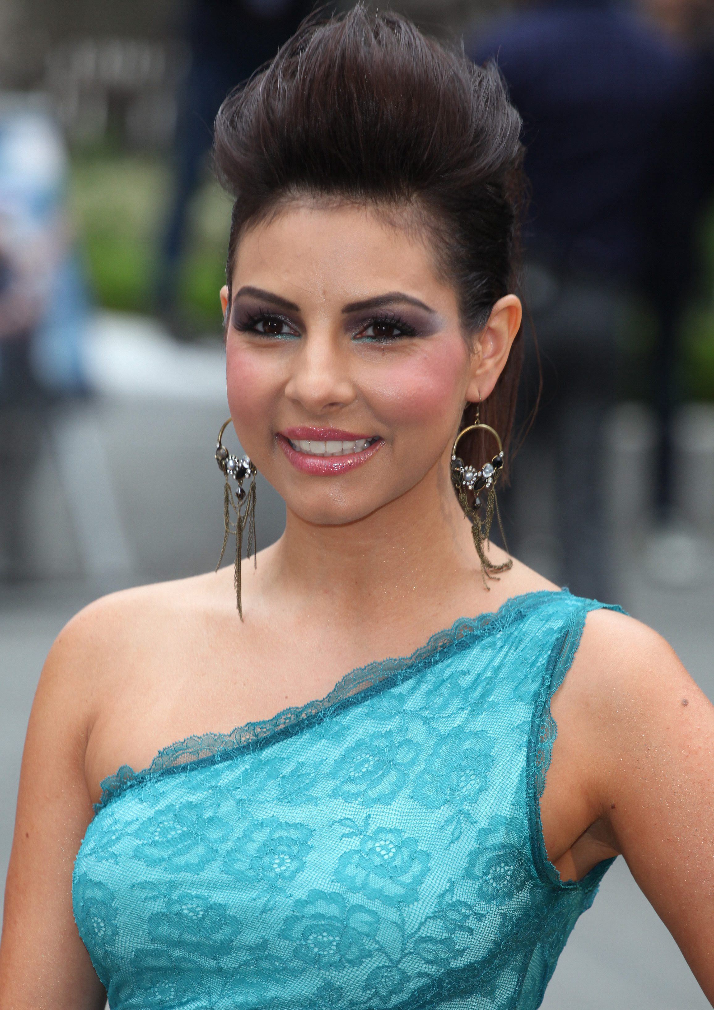 Roxanne Pallett's Top Brushed Up and Sides Tucked