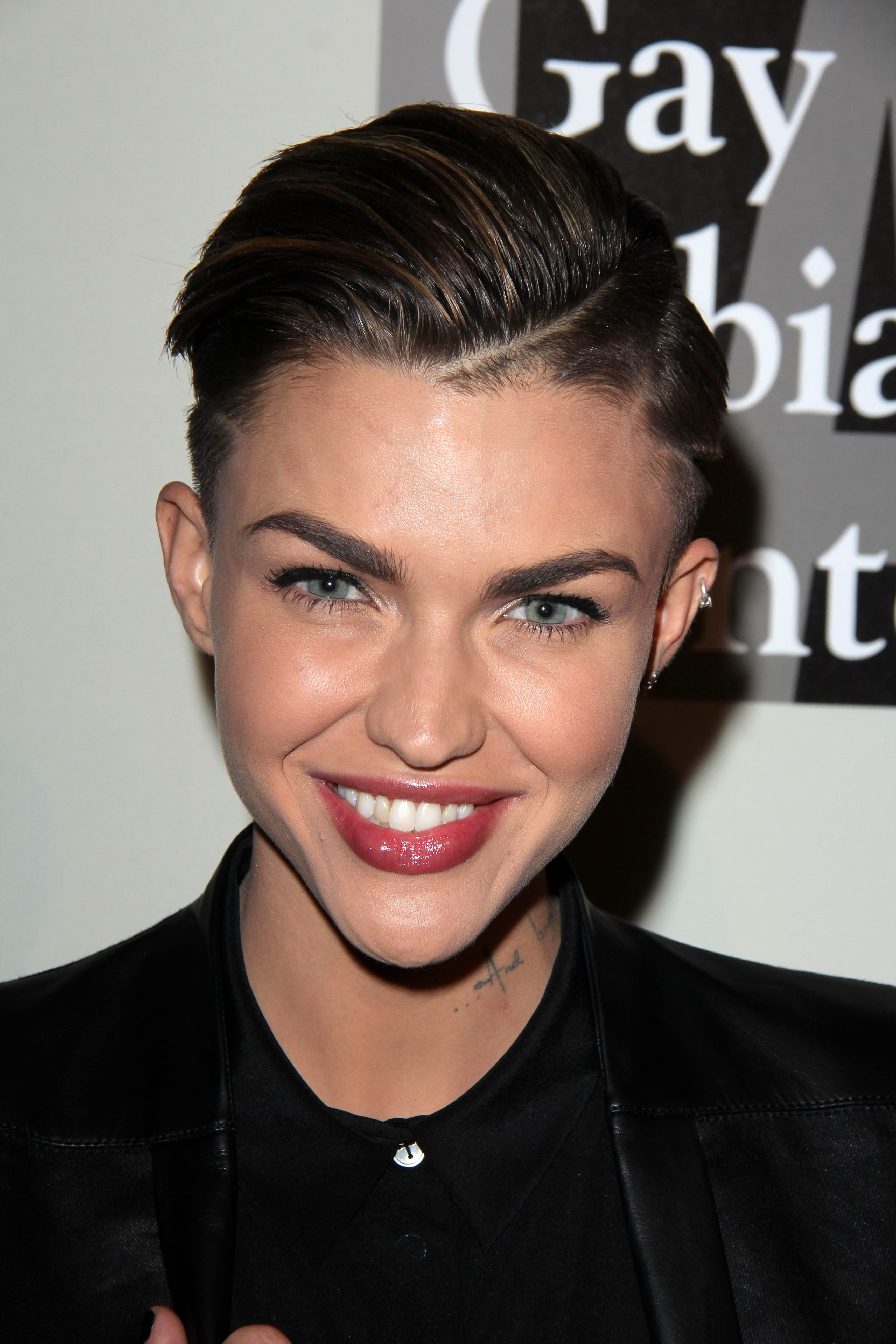 Ruby Rose's Sleek Faux Hawk with Lines