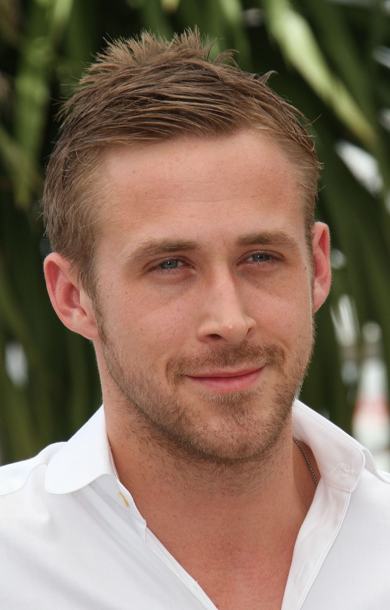 Ryan Gosling Short Combover with Messy Top May 2010