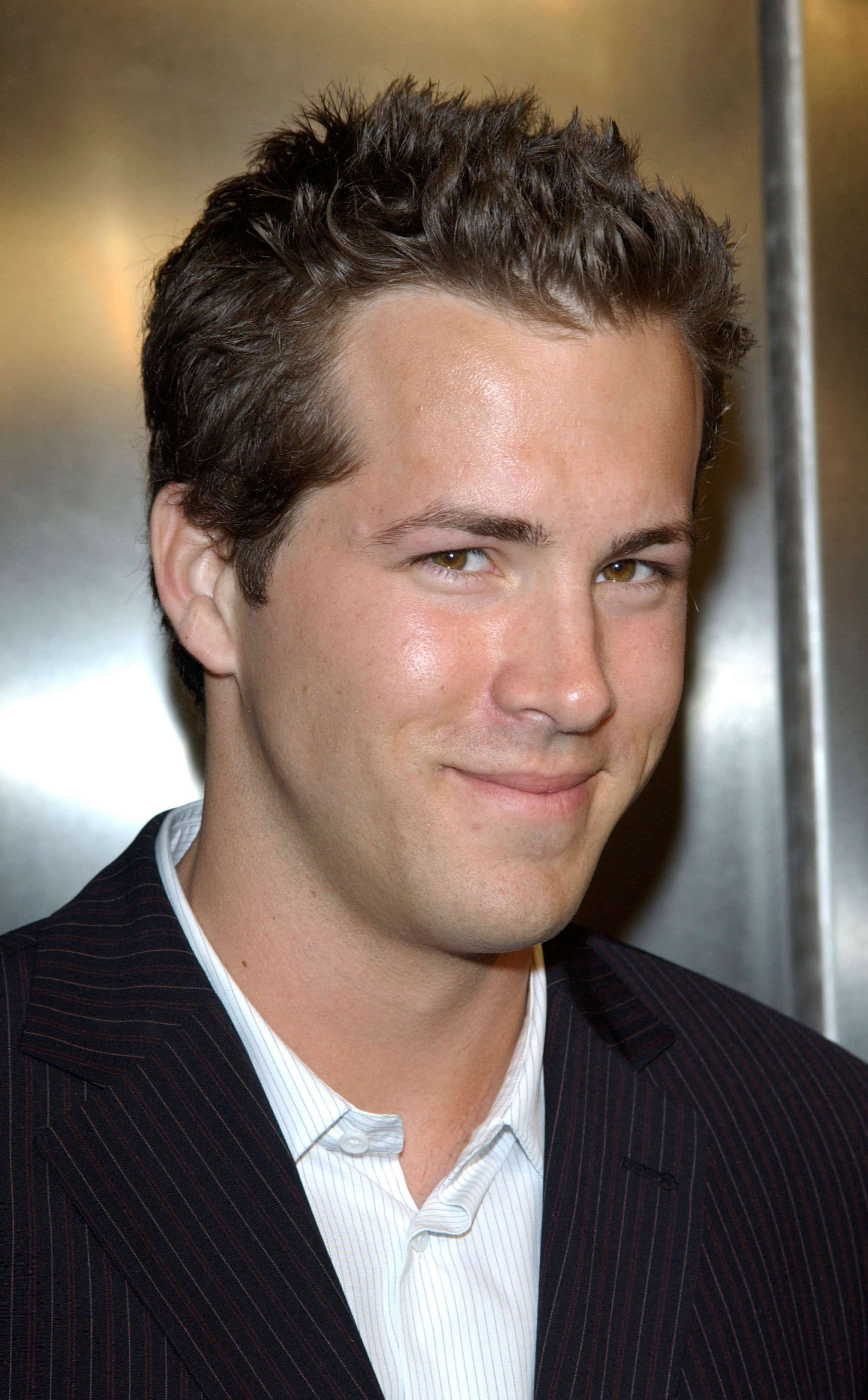 Ryan Reynolds Short Spikes with Thin Hair