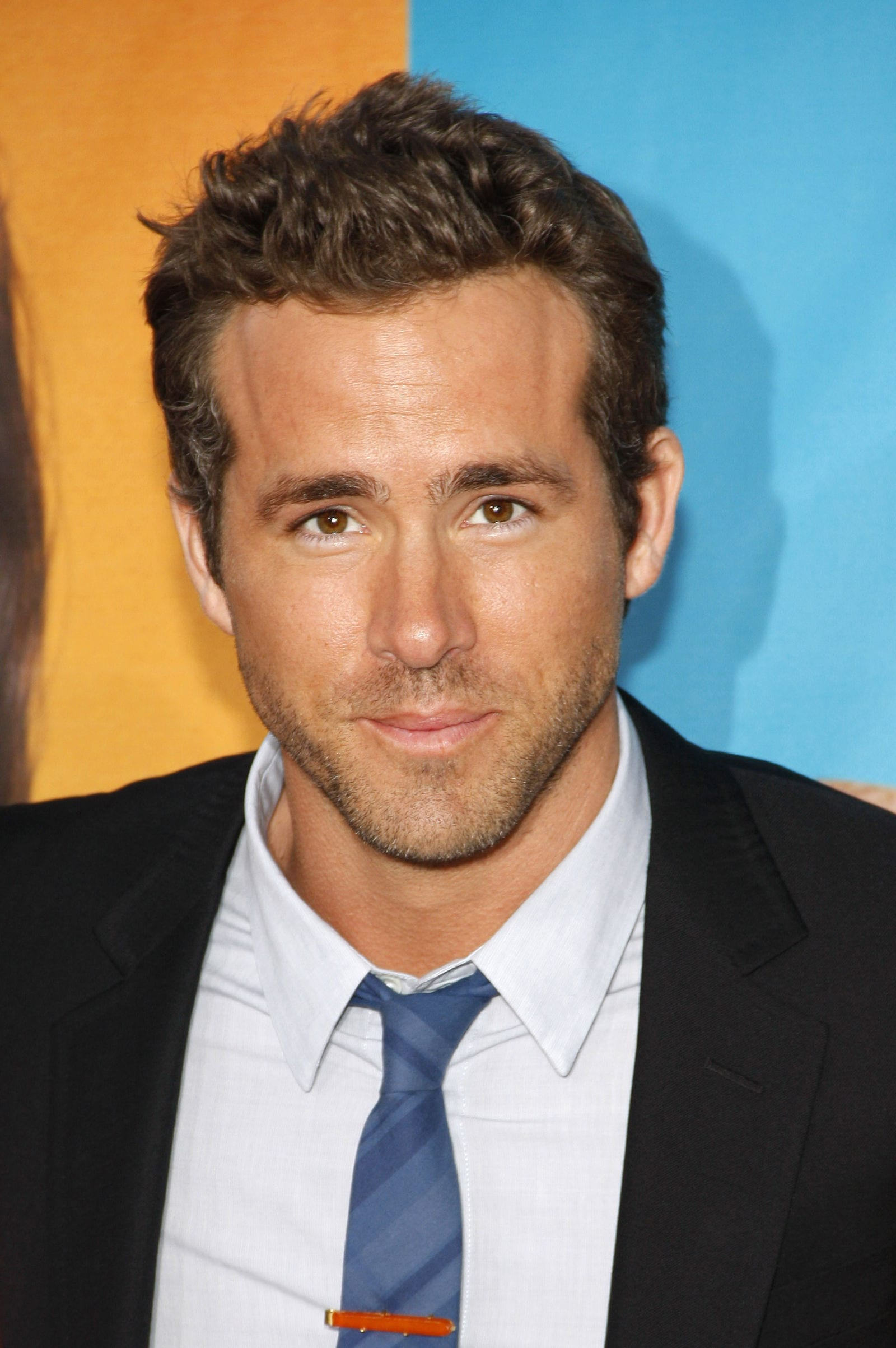 Ryan Reynolds messy, medium length style