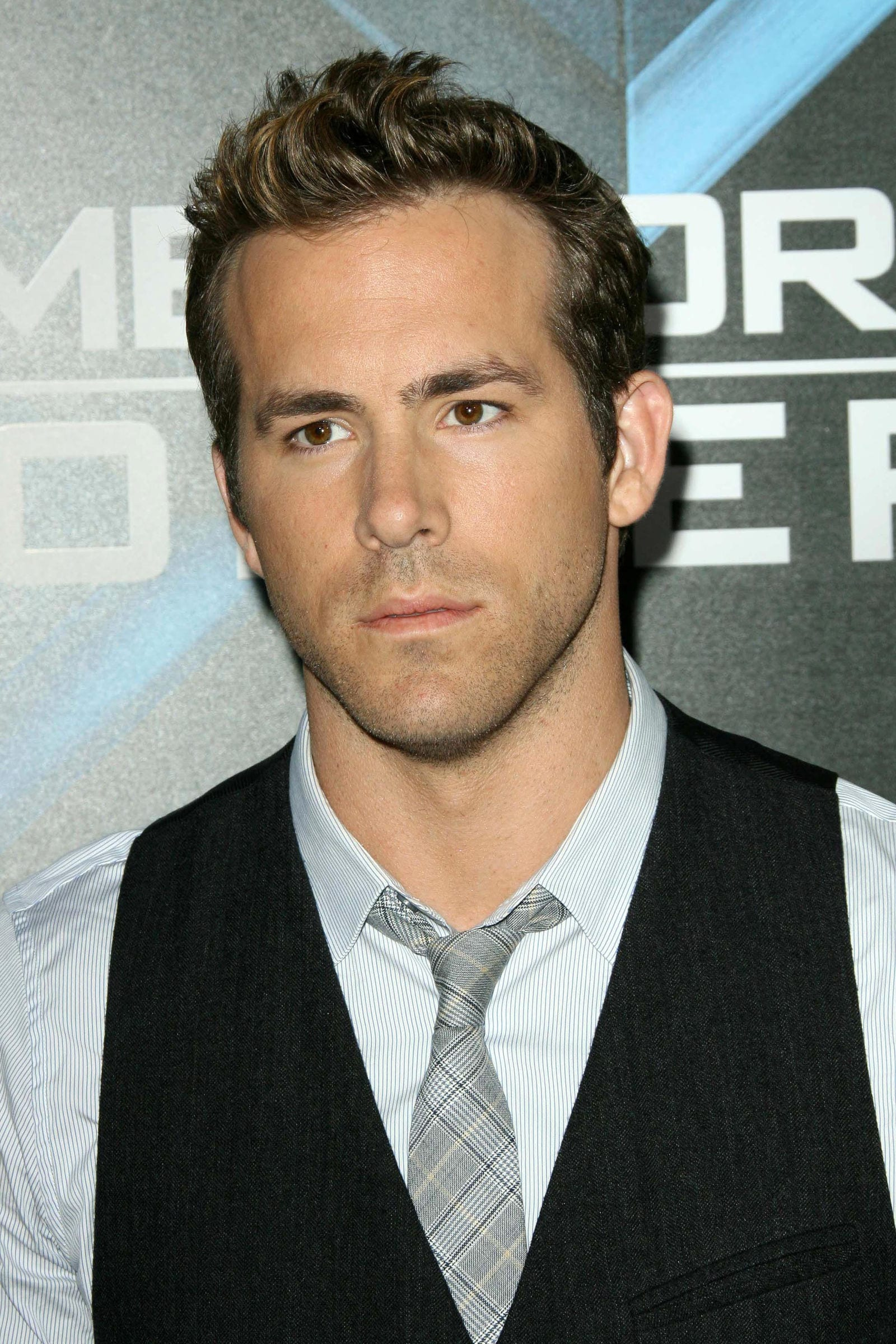 Ryan Reynolds regular cut