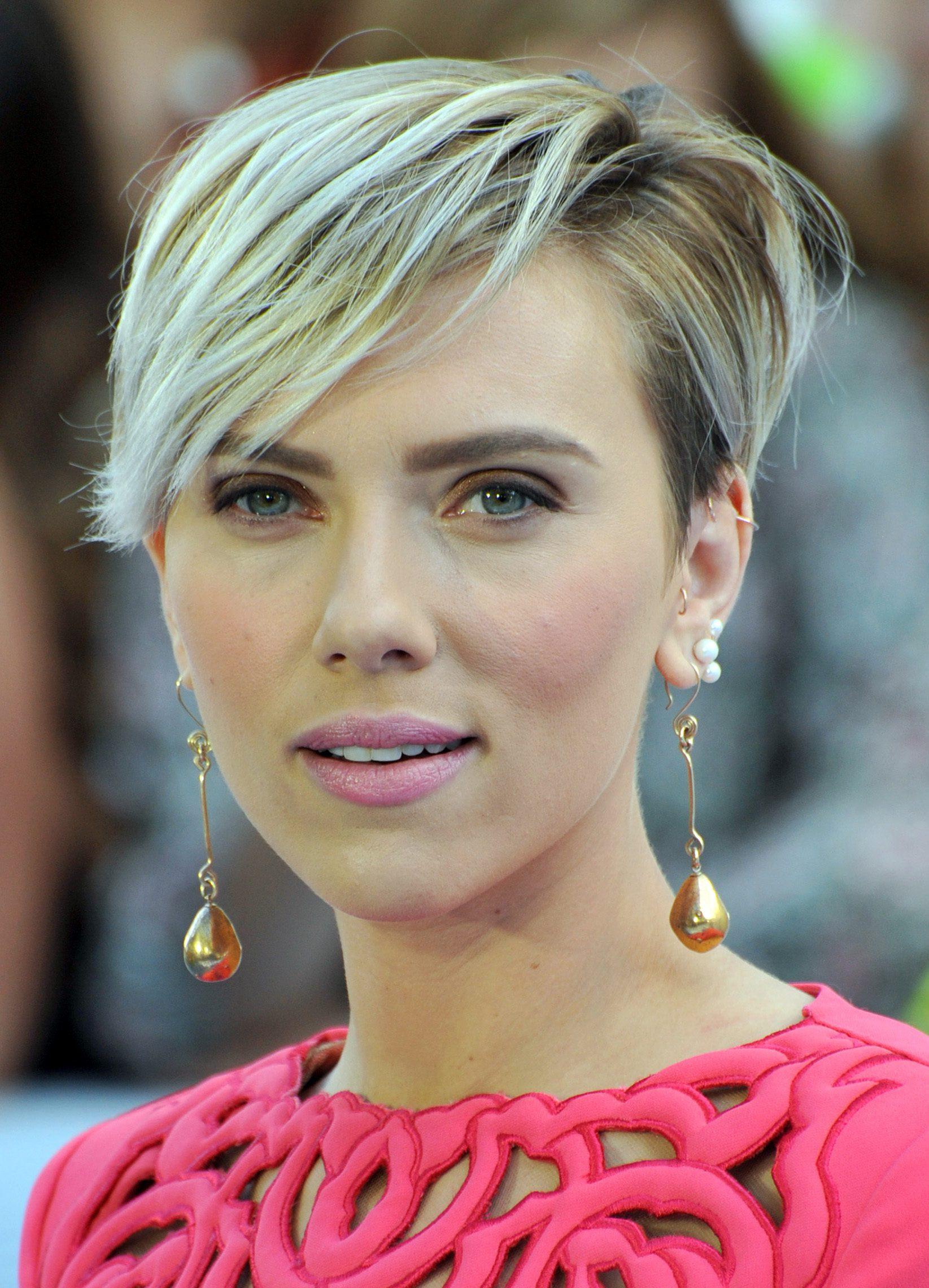 Scarlett Johansson's Angular Bangs