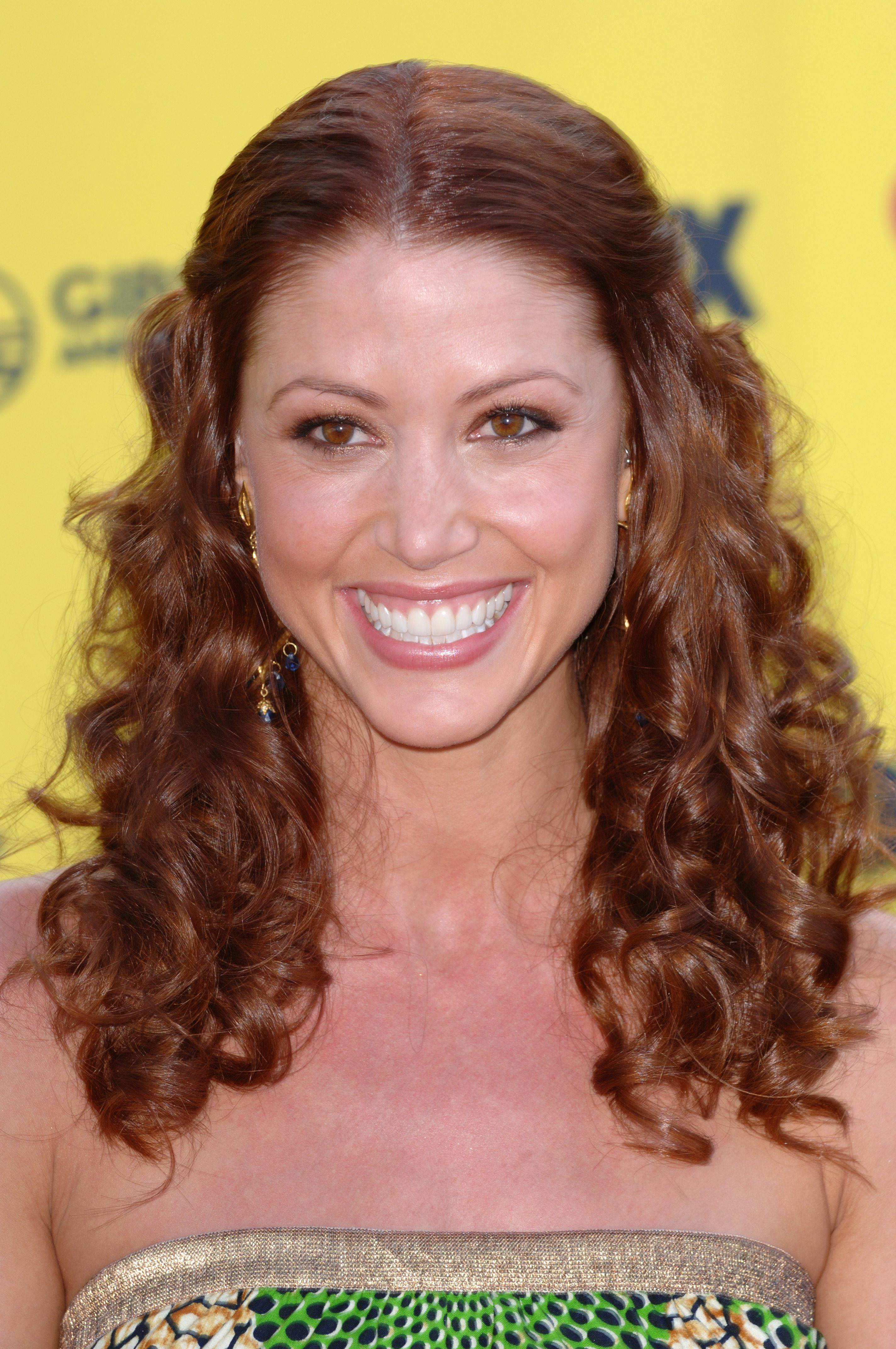 Shannon Elizabeth with Mid Parted Ginger Curls
