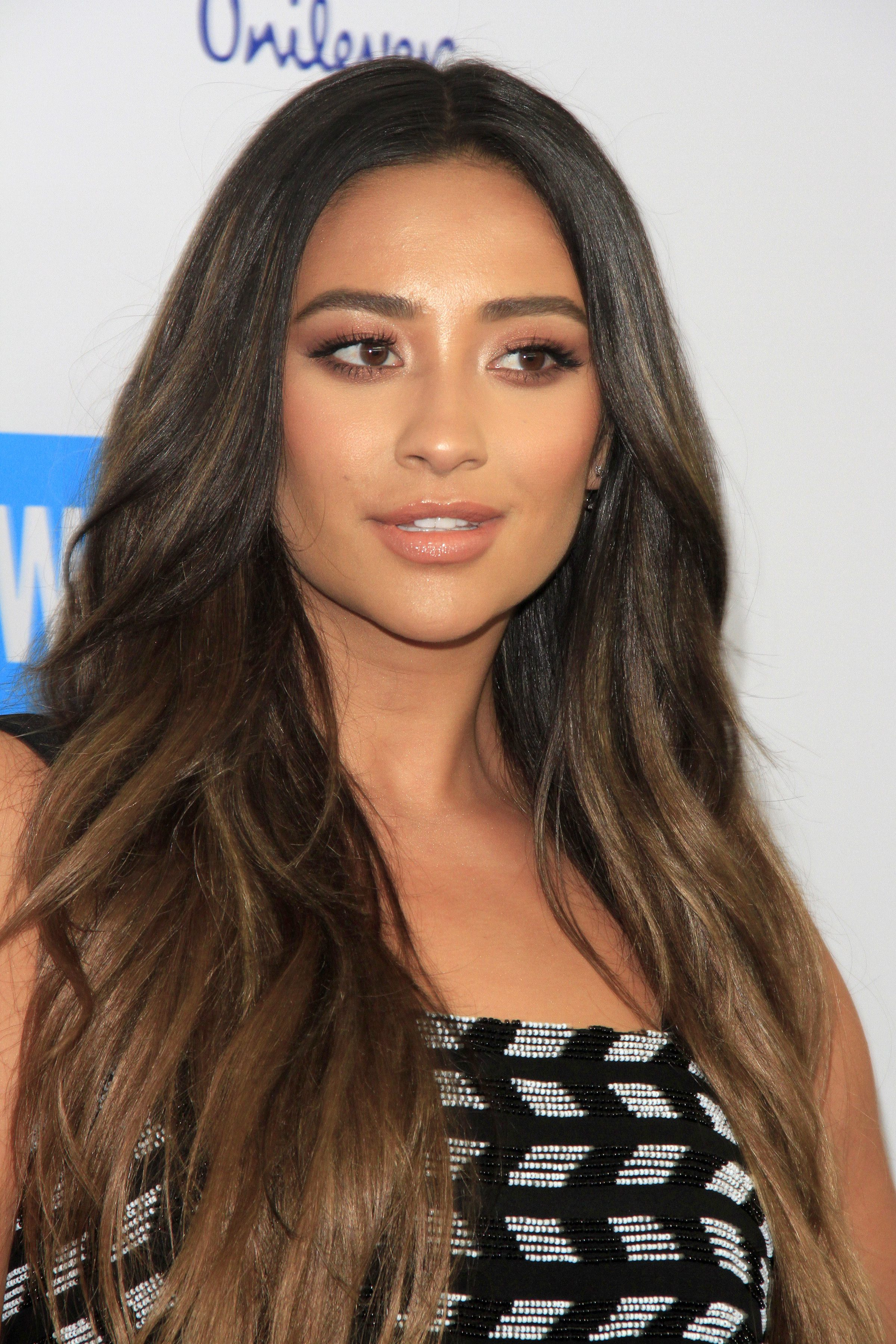 Shay Mitchell's Ashy Chocolate Brown Ombre