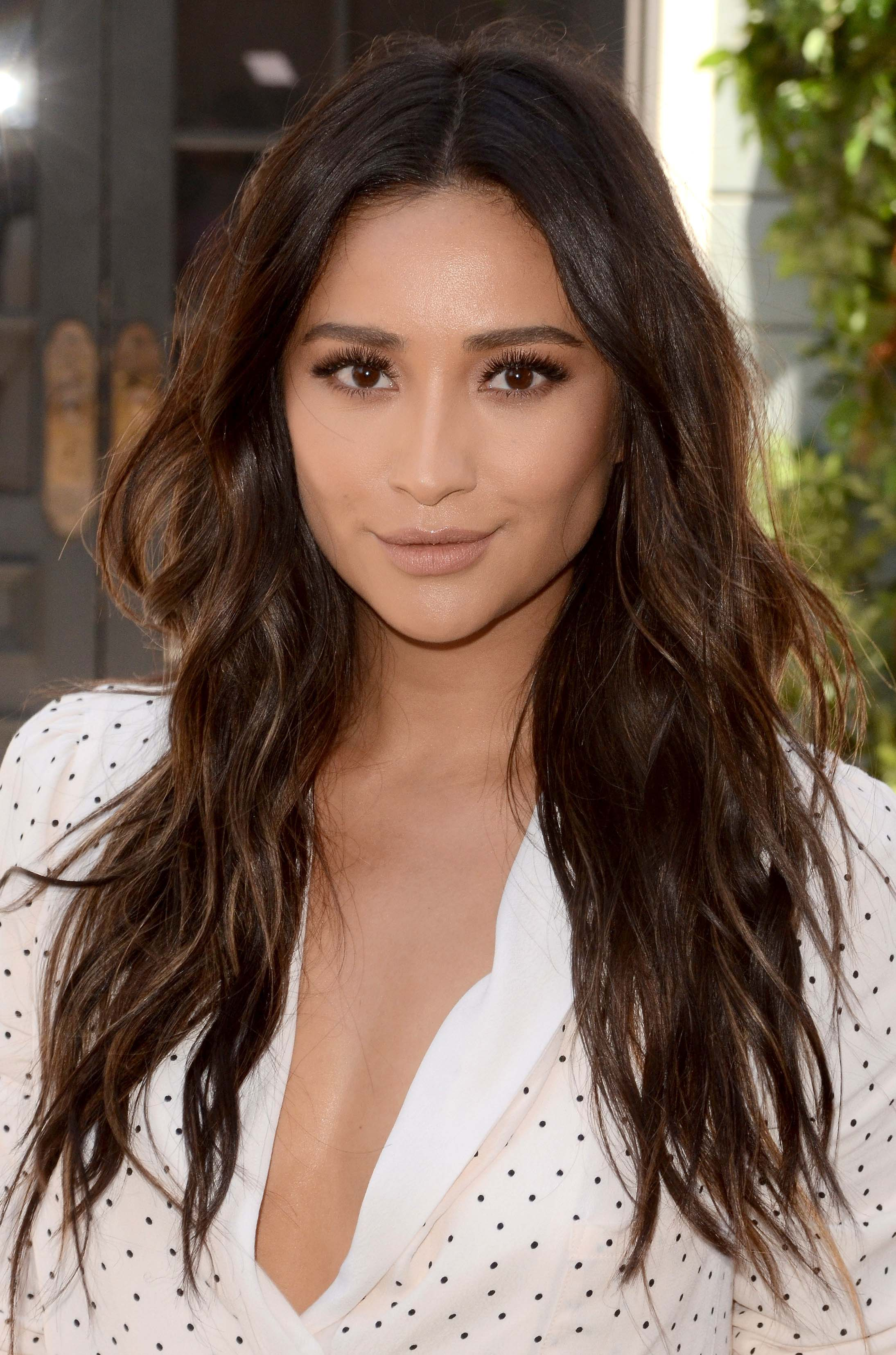 Shay Mitchell's Signature Beach Waves_