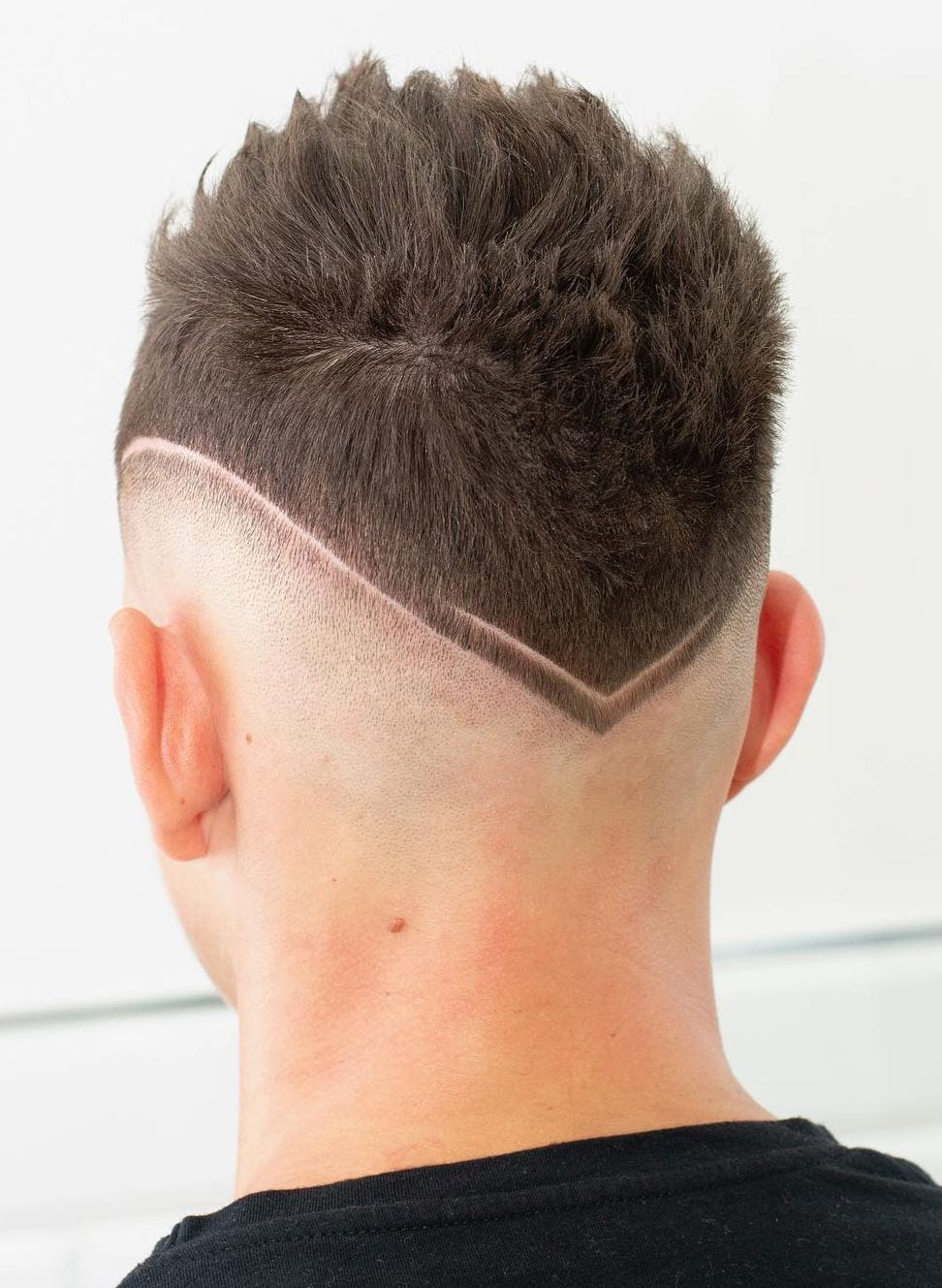 Thin Arrow Neckline Design